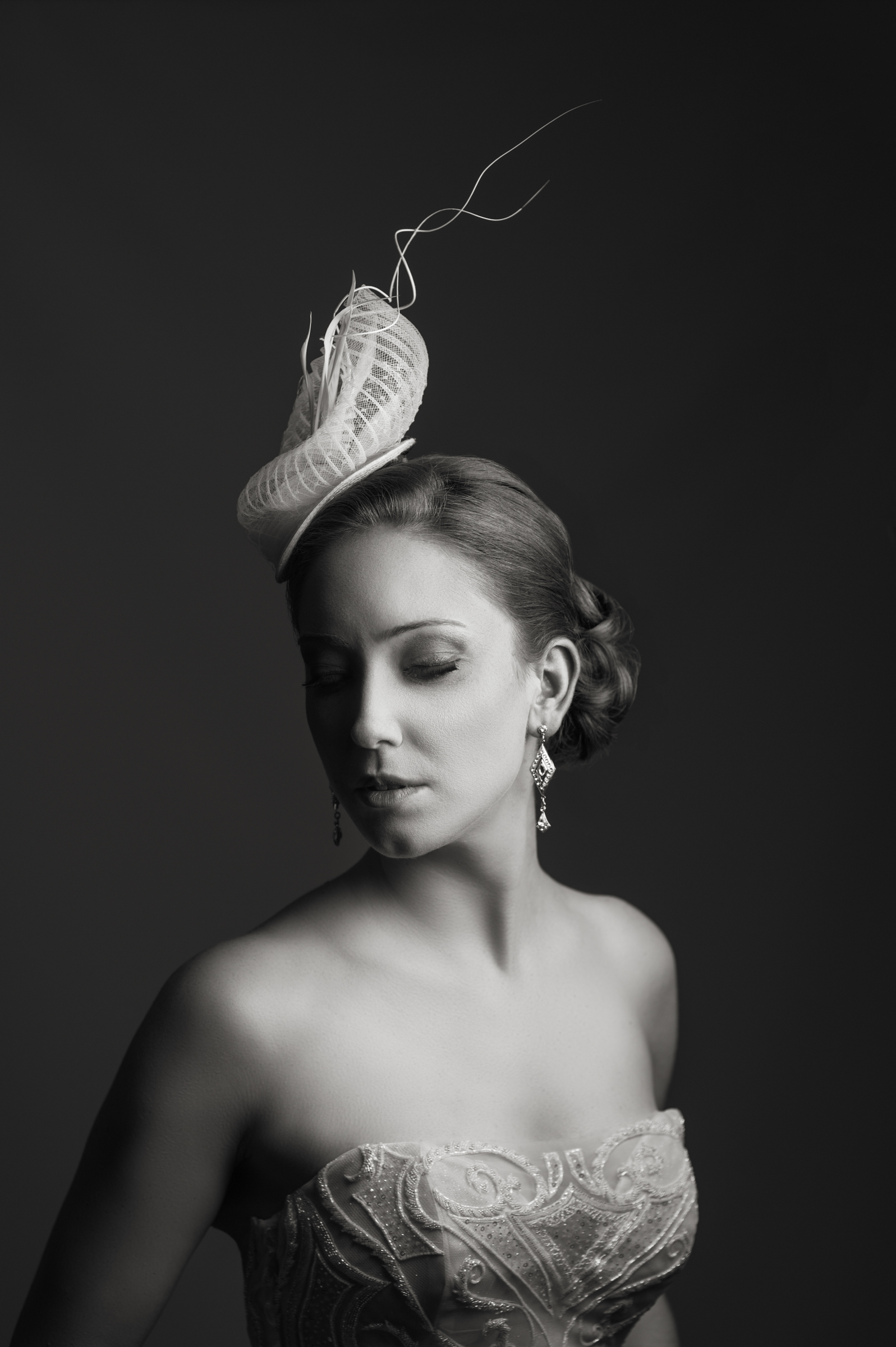 bride-with-fascinator-photography-by-steve-jane