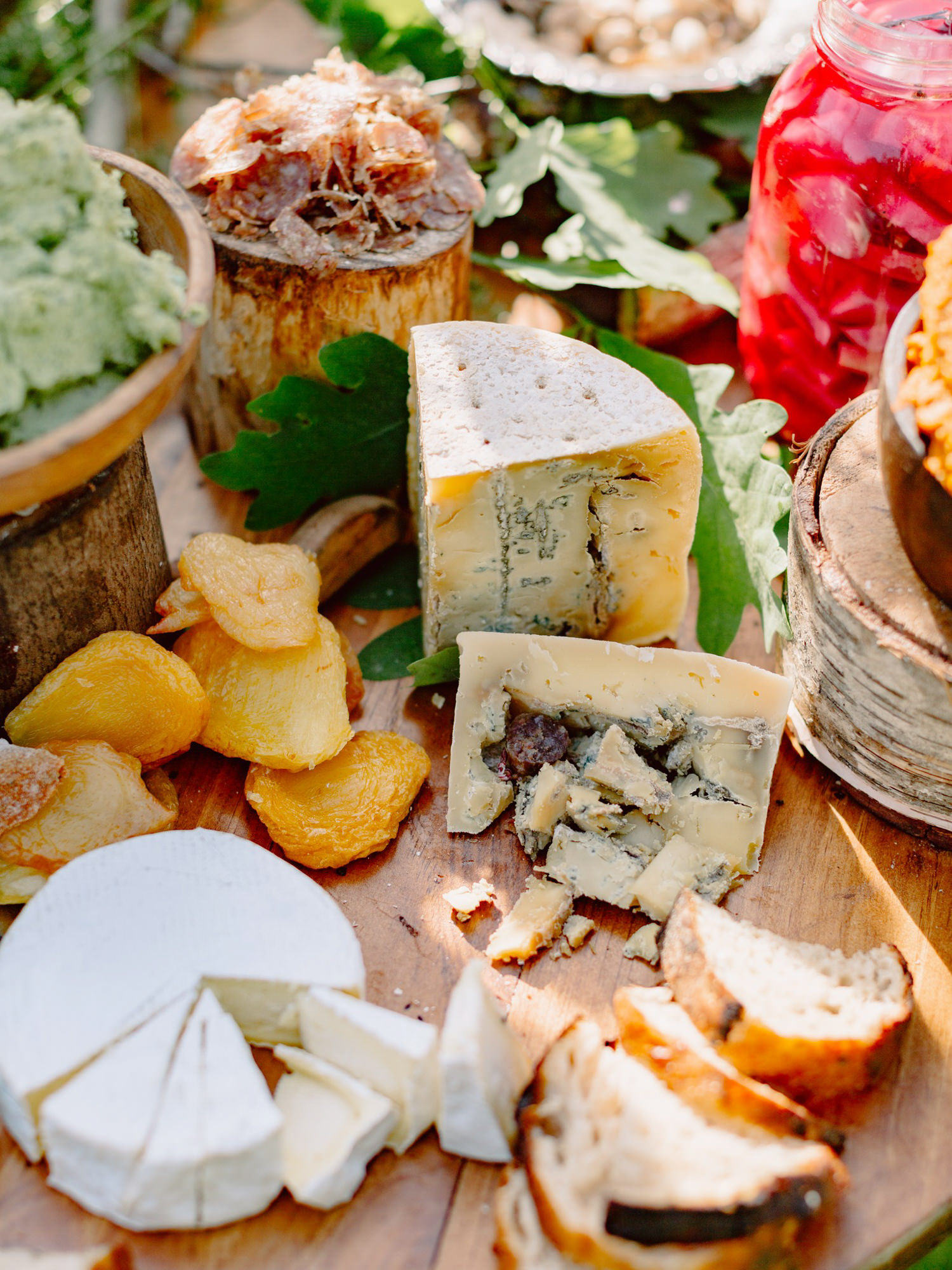 cheese-and-fruit-plate-worlds-best-wedding-photos-benj-haisch-seattle-wedding-photographers