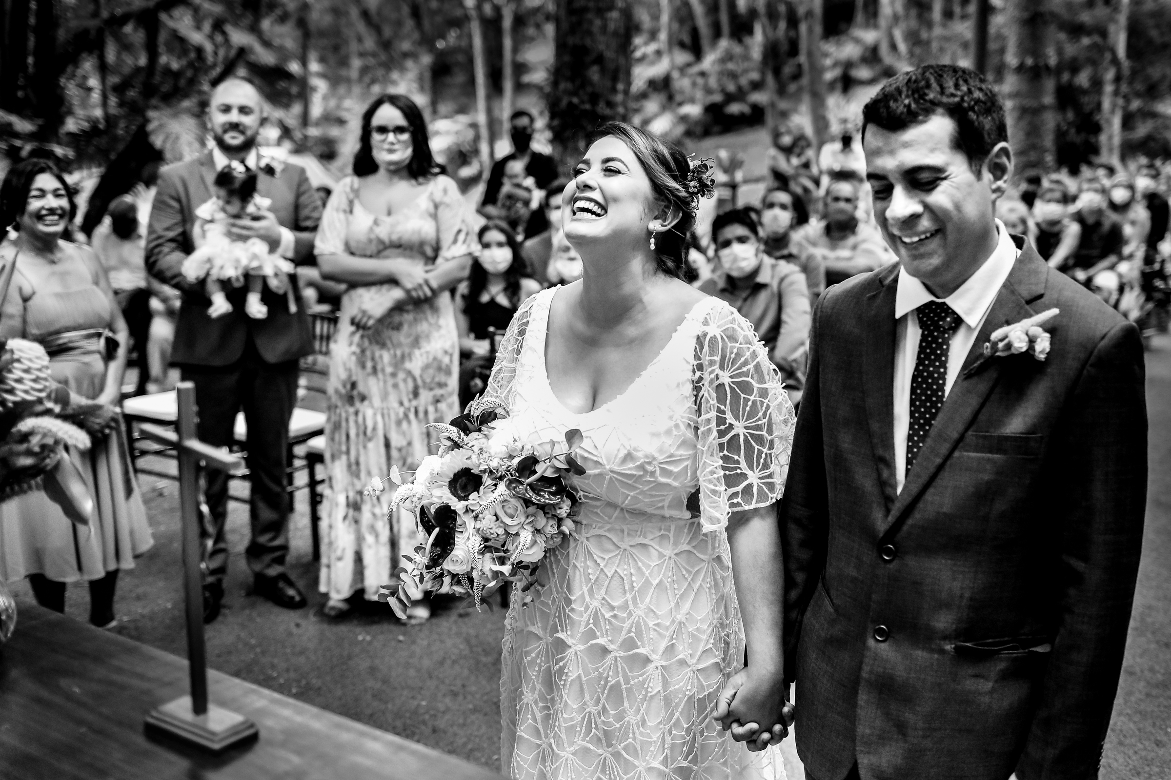 couple-emotion-at-ceremony-area-da-fotografia