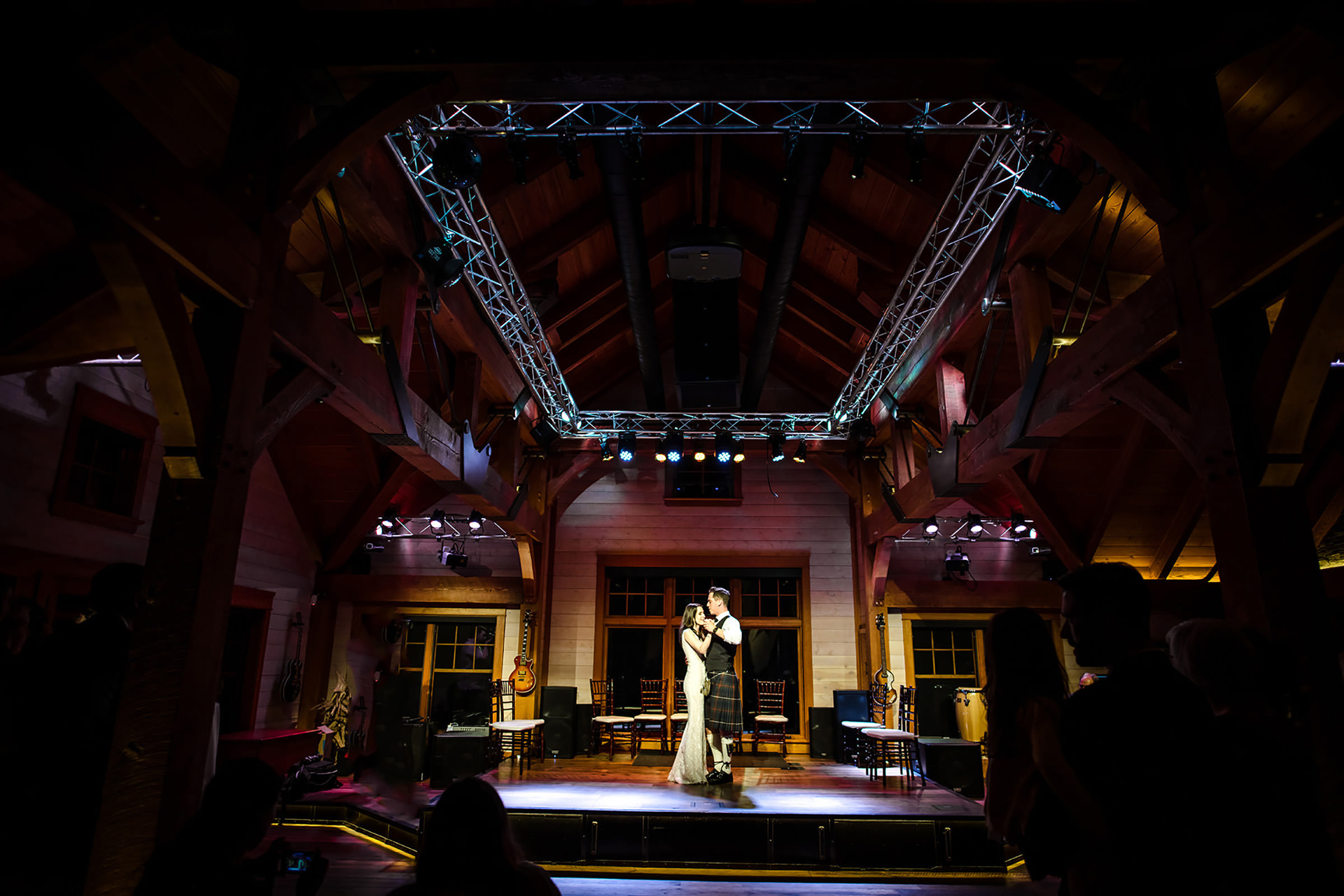 first-dance-in-wood-framed-reception-hall-david-sherry-photography