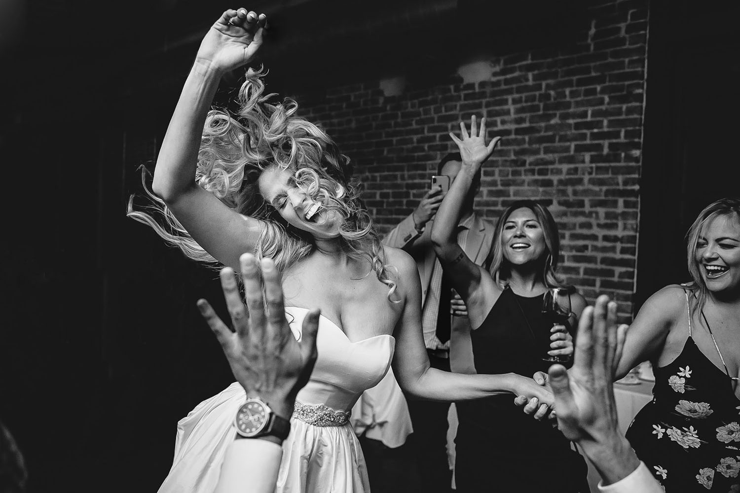 bride-partying-with-friends-carolines-collective