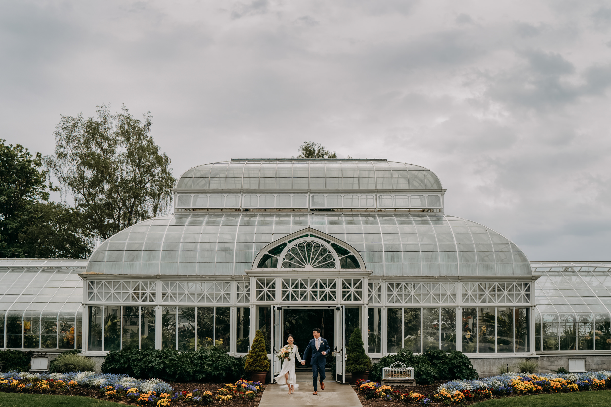 bride-and-groom-at-Volunteer-Park-conservatory-seattle0wa-sasha-reiko