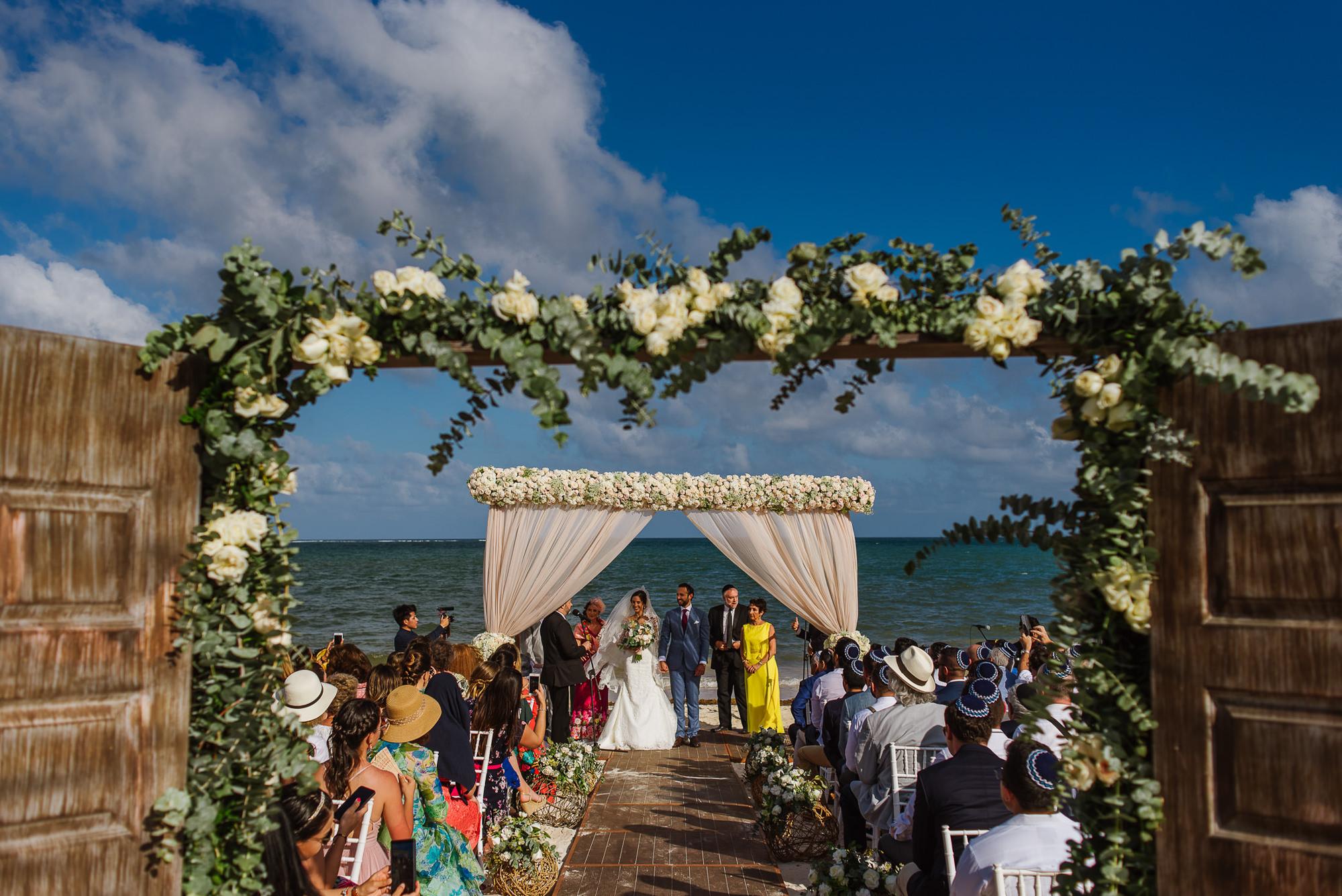 beach-wedding-ceremony-white-and-green-worlds-best-wedding-photos-citlalli-rico-mexico-wedding-photographers
