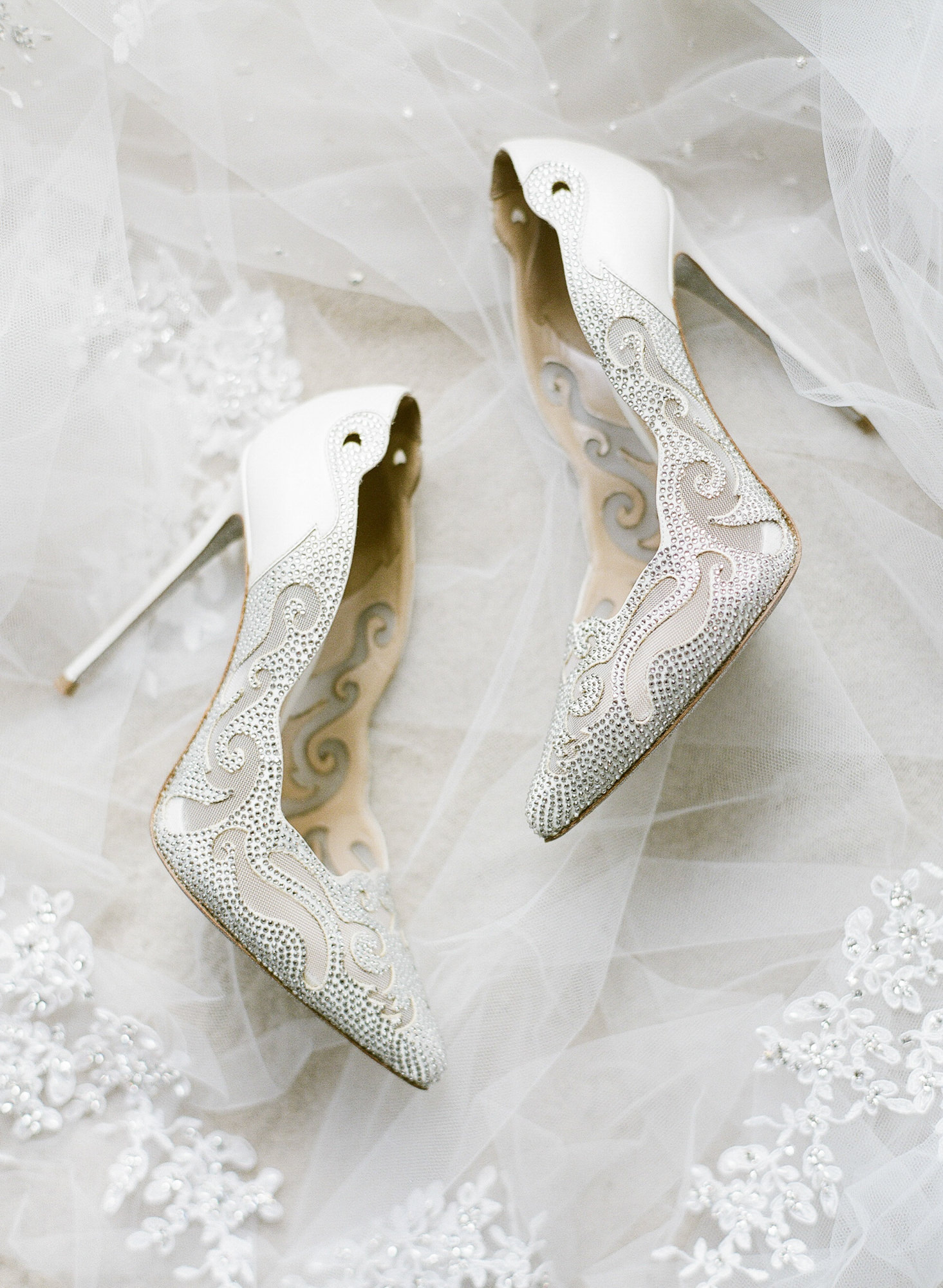 rena-caovilla-beaded-white-pumps-with-scalloped-edge-worlds-best-wedding-photos-greg-finck-france-wedding-photographers