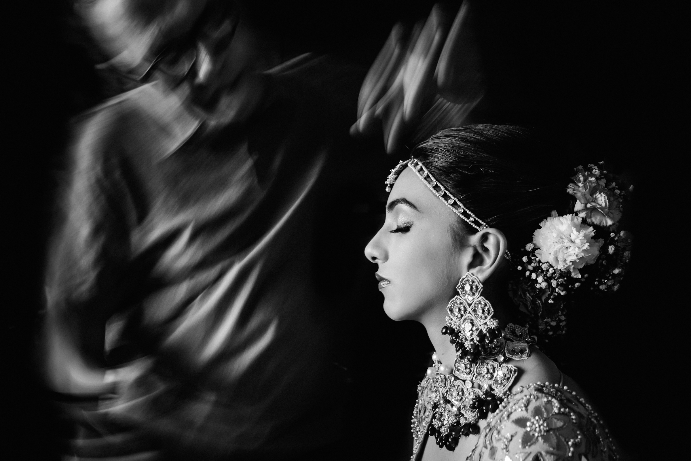 blessing-in-motion-of-serene-bride-william-lambelet-photography