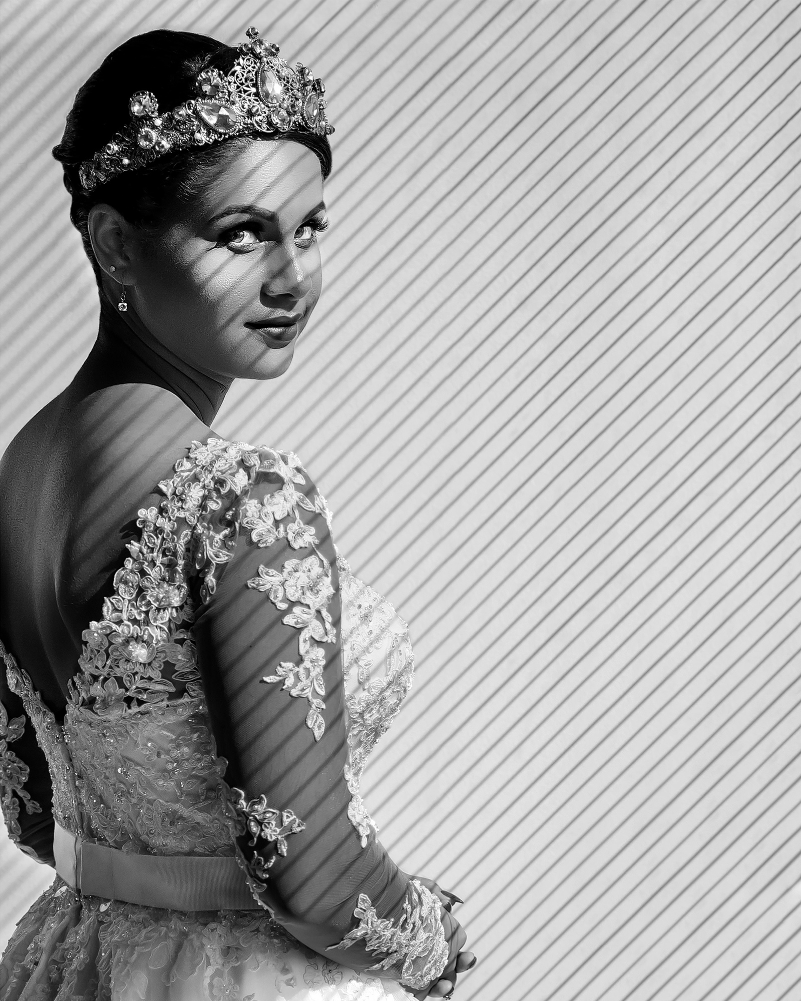 bride-in-tiara-and-lace-long-sleeve-dress-joshua-dwain-photography