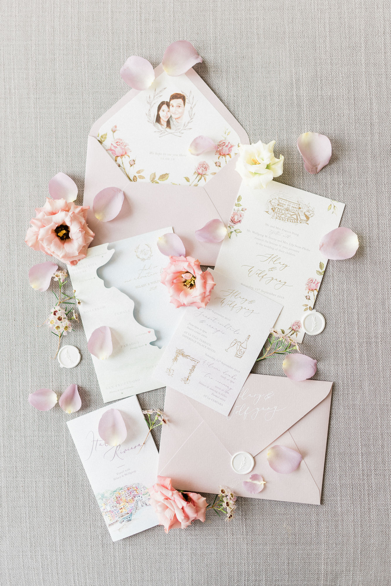 elegant-die-cut-invitations-with-floral-accents-map-worlds-best-wedding-photos-gianluca-adiovaso-italy-wedding-photographers