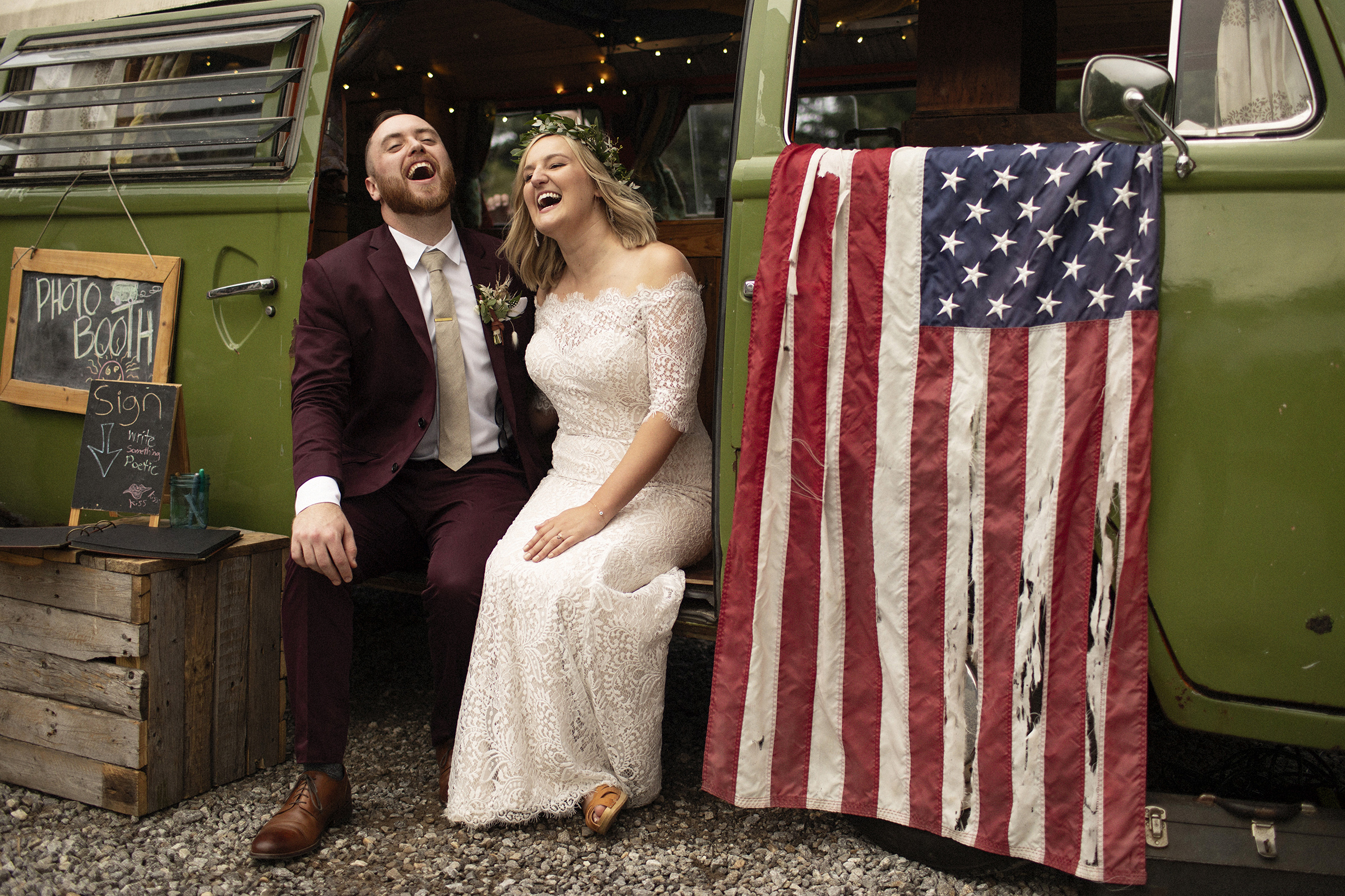 couple-in-vintage-vw-photo-booth-joshua-behan-photography