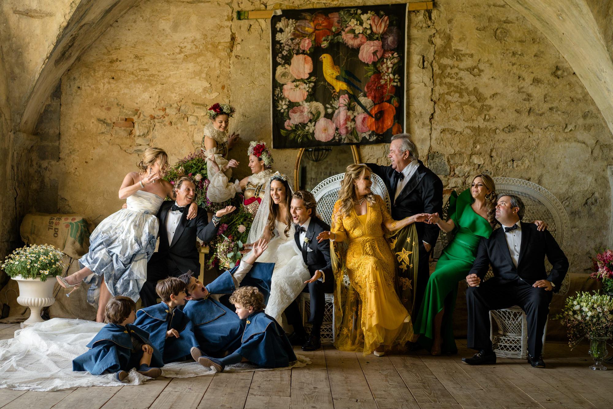 theatre-themed-bridal-party-gold-green-blue-attire-worlds-best-wedding-photos-david-bastianoni-italy-wedding-photographers