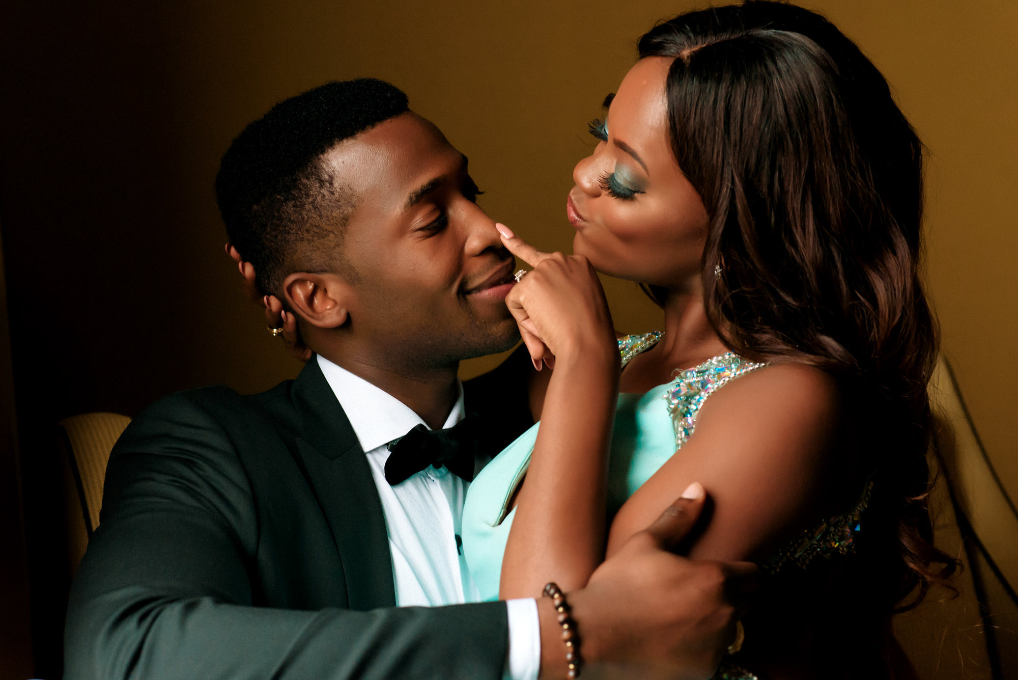 elegant-black-couple-bride-with-aqua-beaded-sheath-worlds-best-wedding-photos-jide-alakija-new-york-wedding-photographers