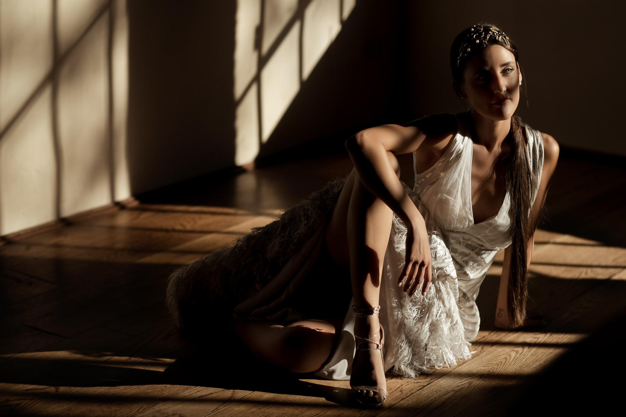 gorgeous-bridal-portrait-guaze-ribbon-dress-with-silk-tassles-bohemian-chic-worlds-best-wedding-photos-david-bastianoni-italy-wedding-photographer