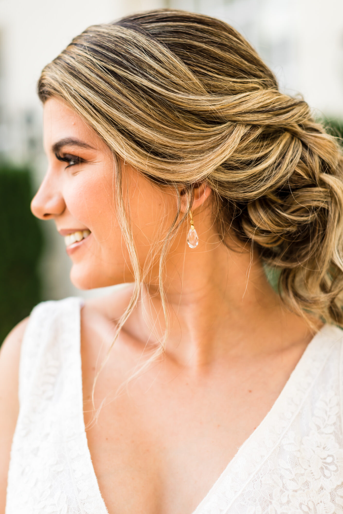 blonde-bride-with-loose-updo-and-crystal-drop-earrings-xiaoqi-li-photography-washington-dc