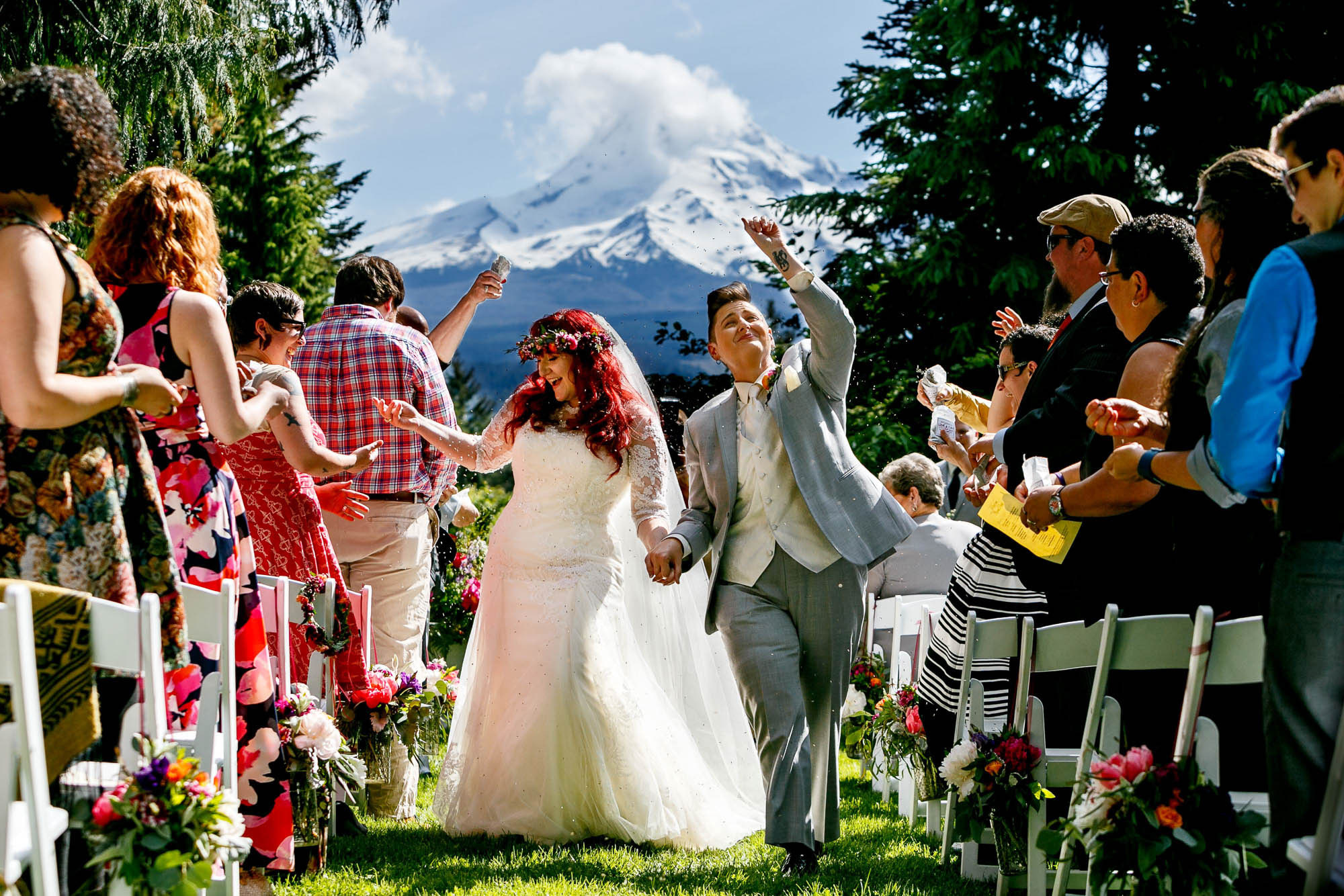 Just married at Mt. Hood Organic Farms - photo by Jos Studio - Jos & Tree