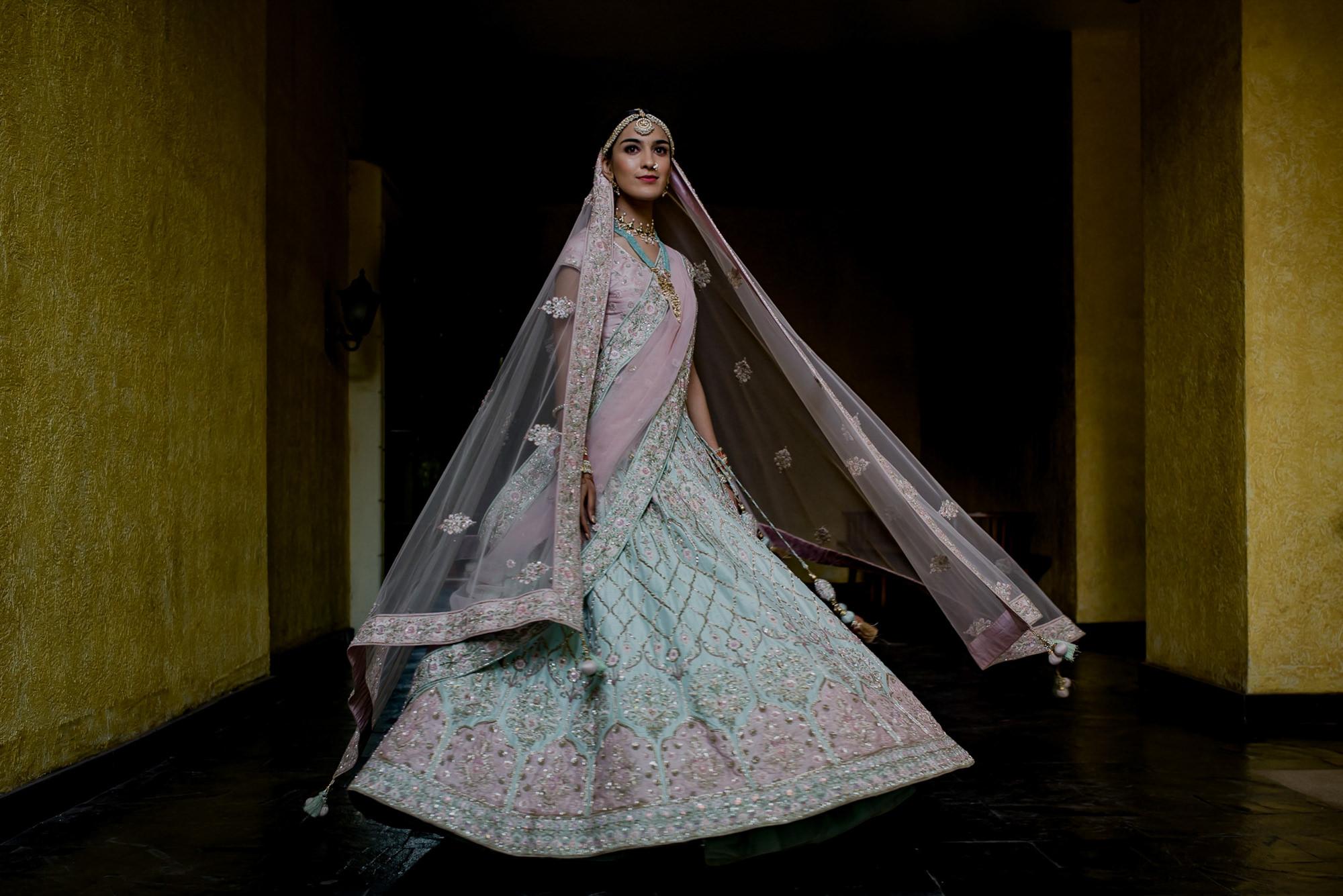 indian-braidl-pink-teal-silver-beaded-sari-worlds-best-wedding-photos-rimi-sen-bangalore-india-wedding-photographer