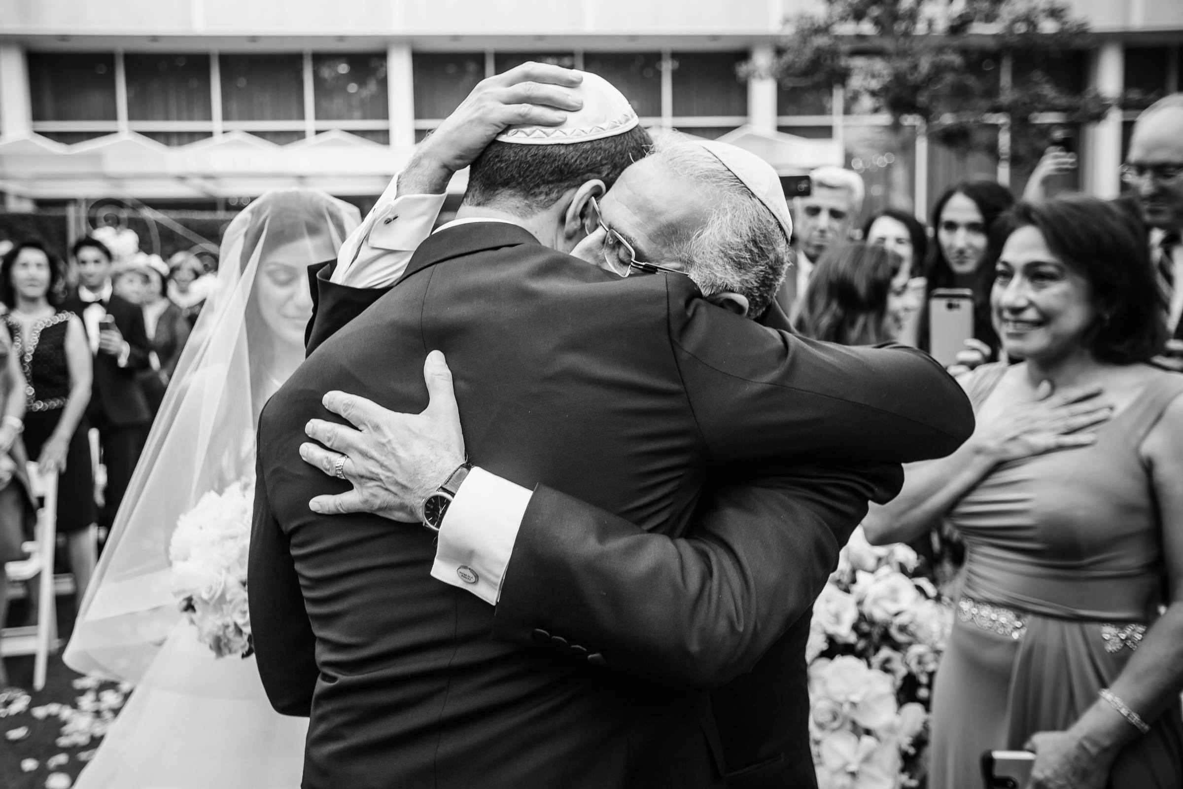 touching-jewish-ceremony-moment-between-father-and-son-photo-by-m-hart-los-angeles