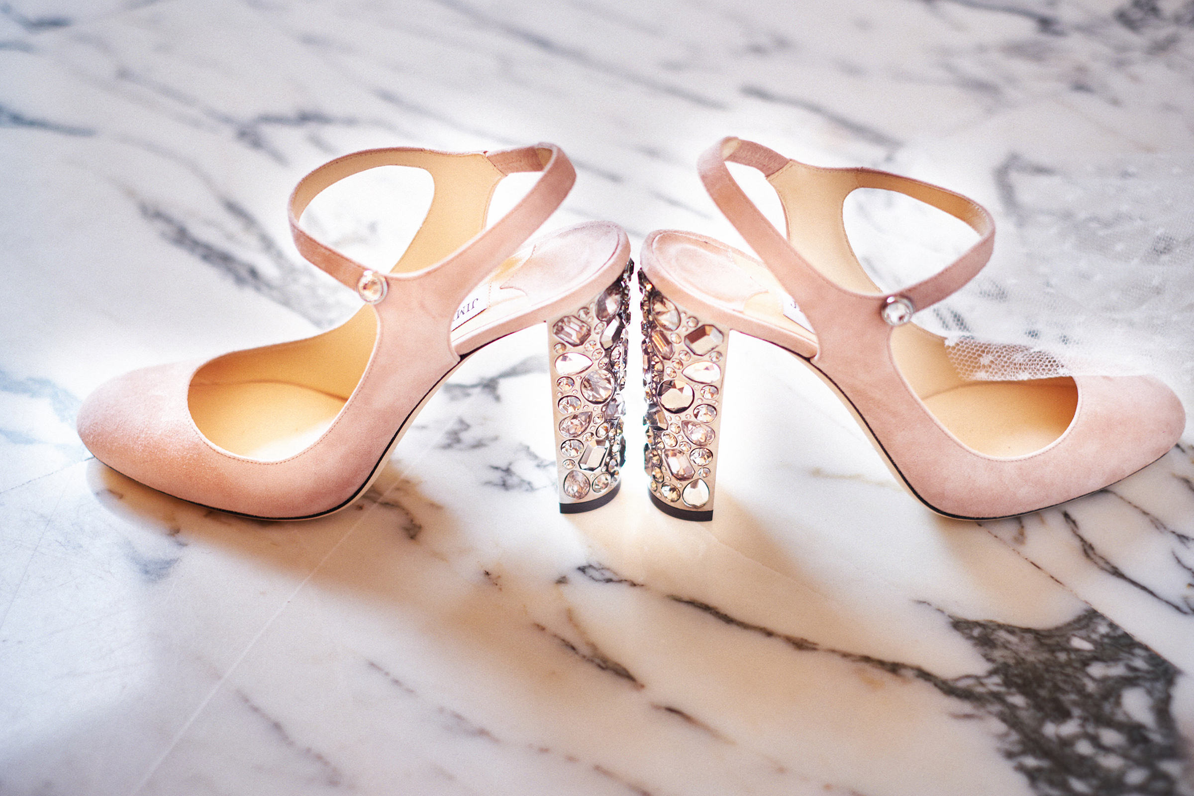 choo-bridal-shoes-detail-andrea-bagnasco-fotografie
