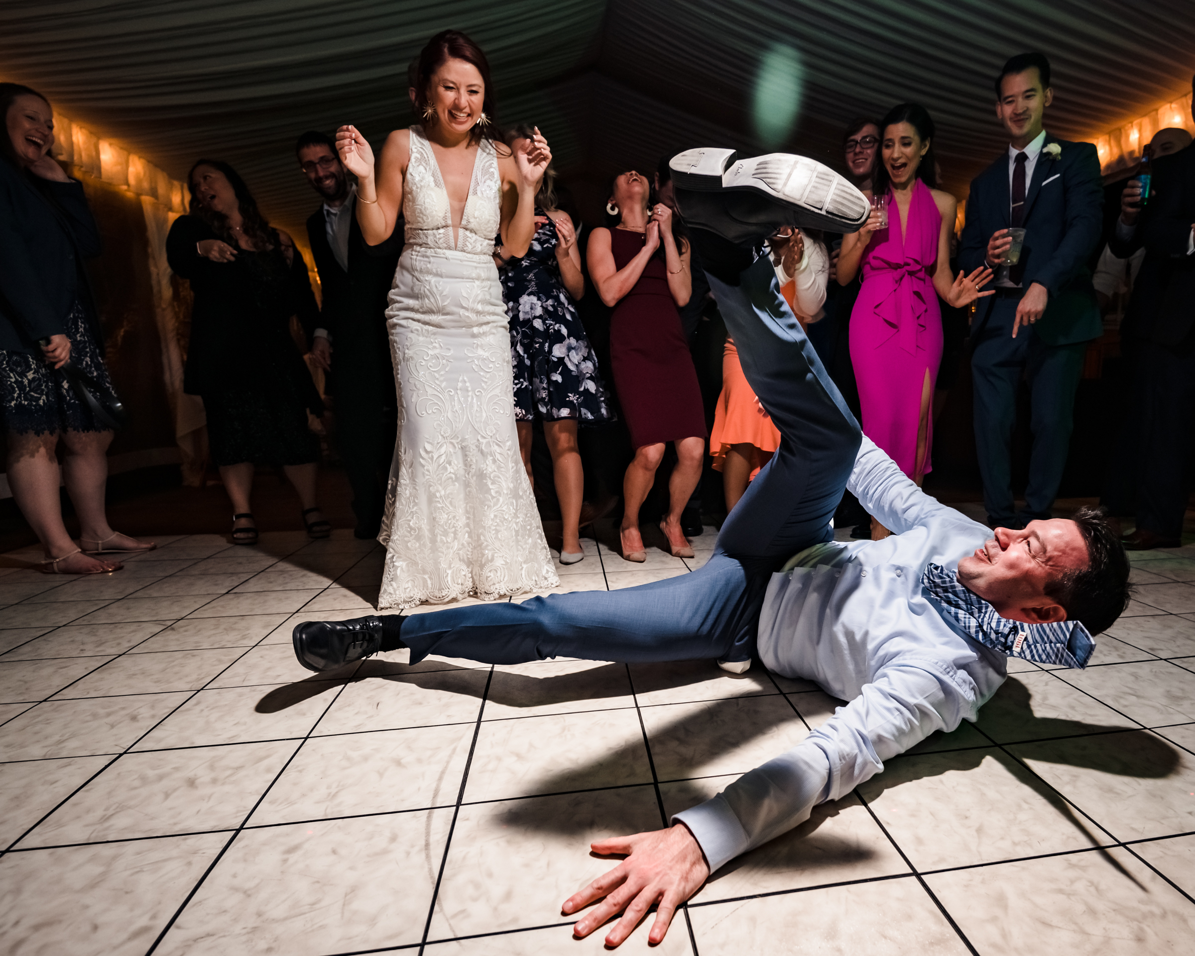 groom-shows-off-at-dance-party-michael-freas-photography