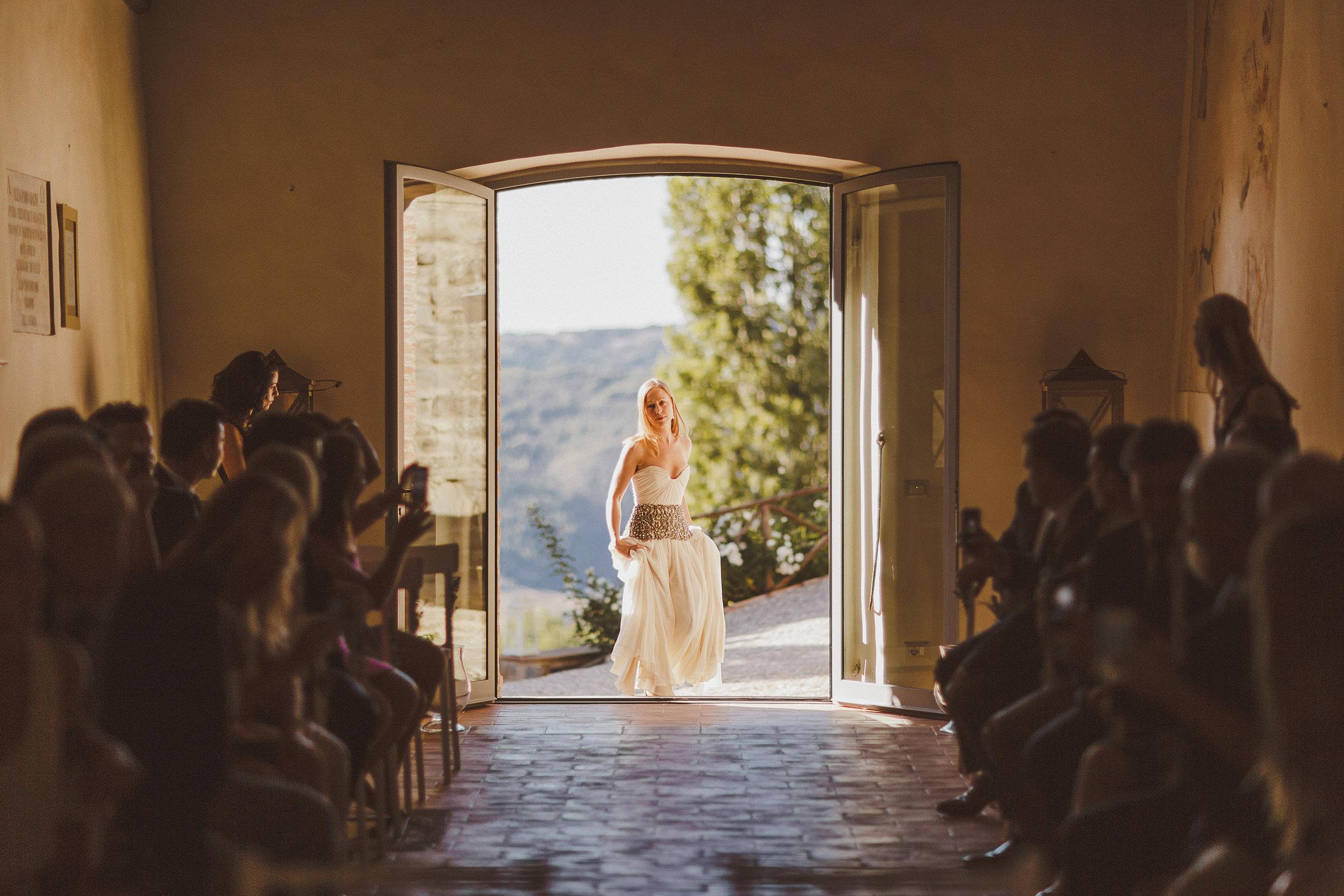 bride-entering-ceremony-hall-ed-peers-photography