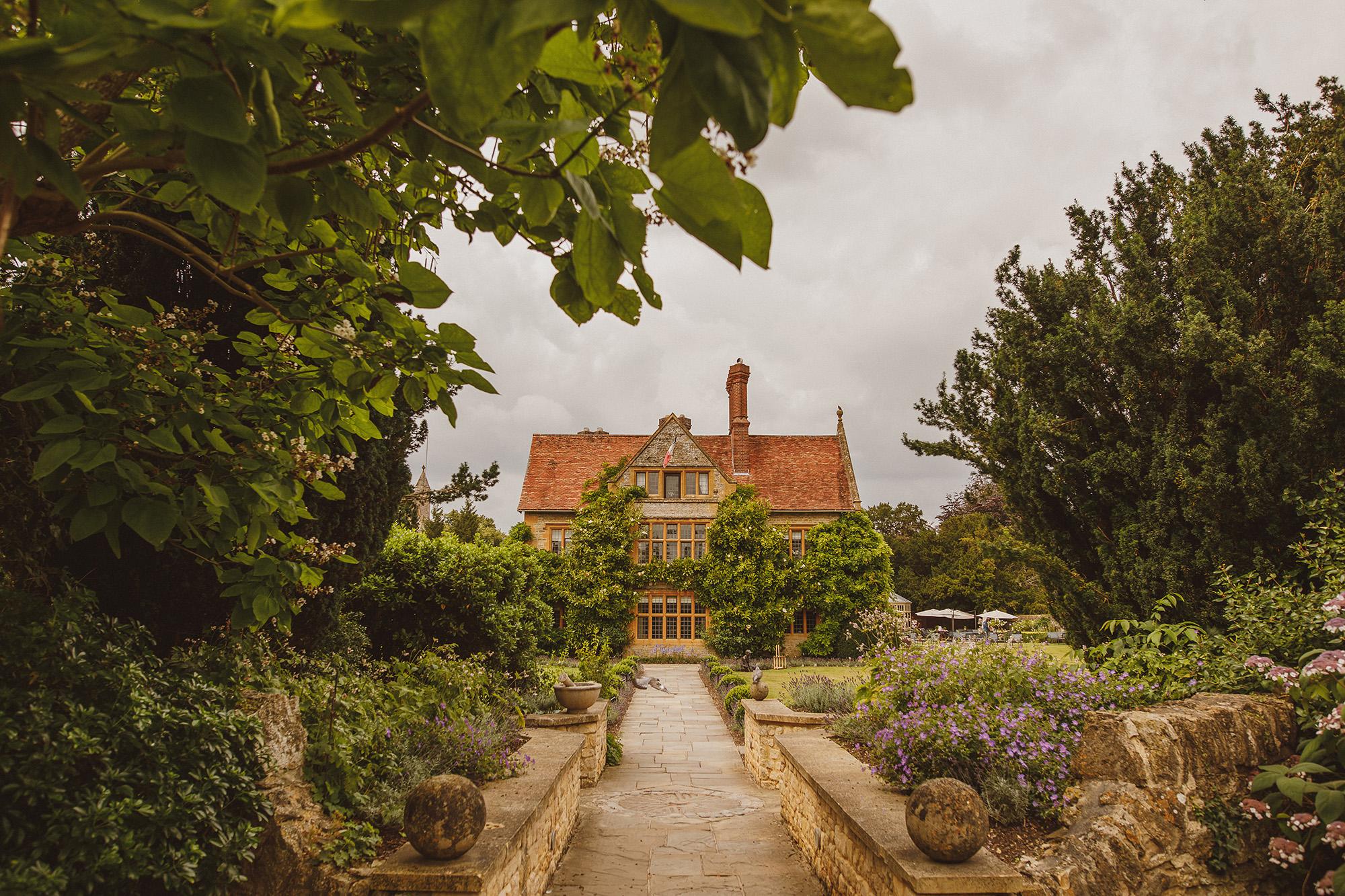 Entrance to Belmond Le Manoir aux Quat Saisons - Oxfordshire, England - photo by Ed Peers