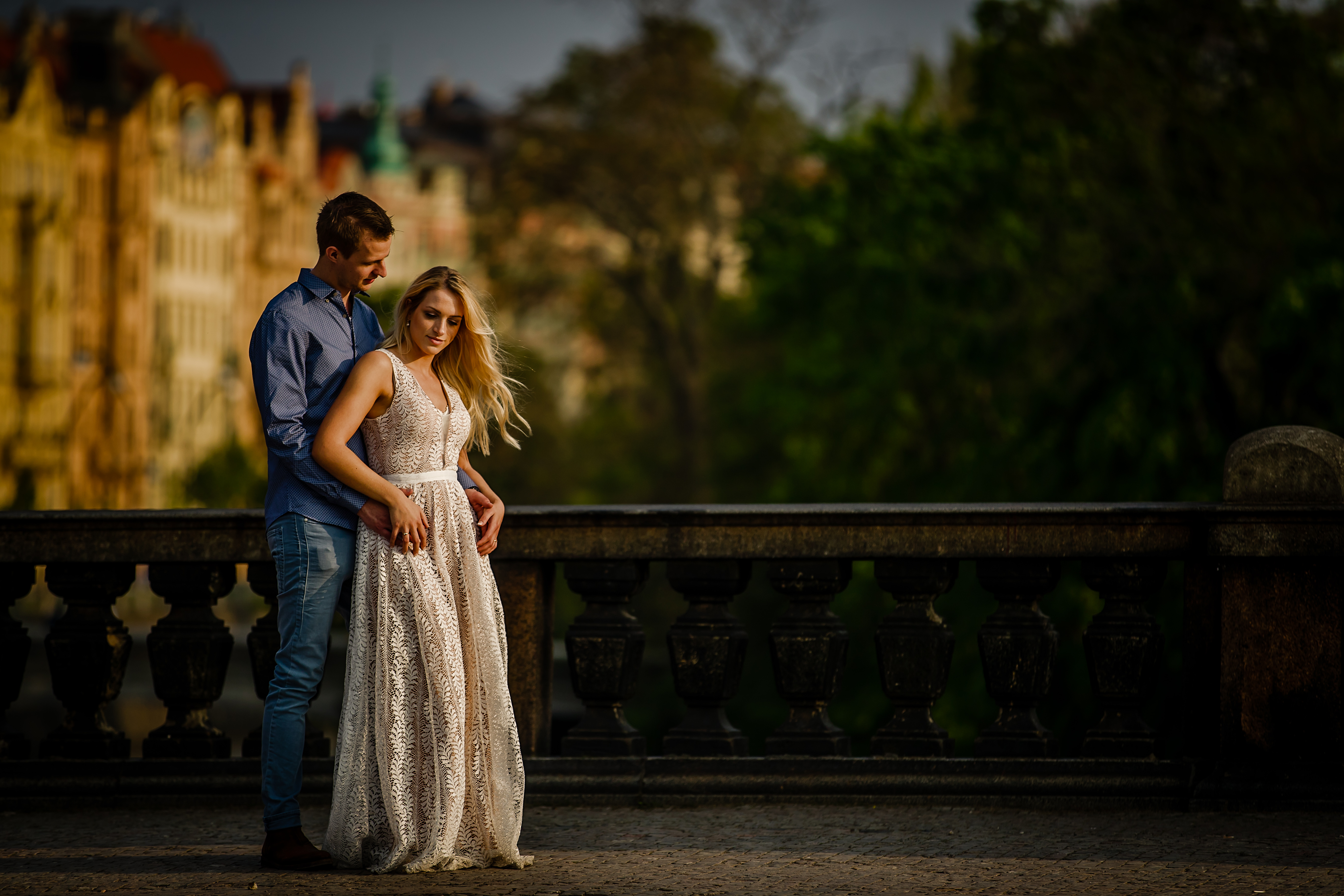 Elopement portrait on the Charles Bridge in Prague - photographed by Eppel Photography