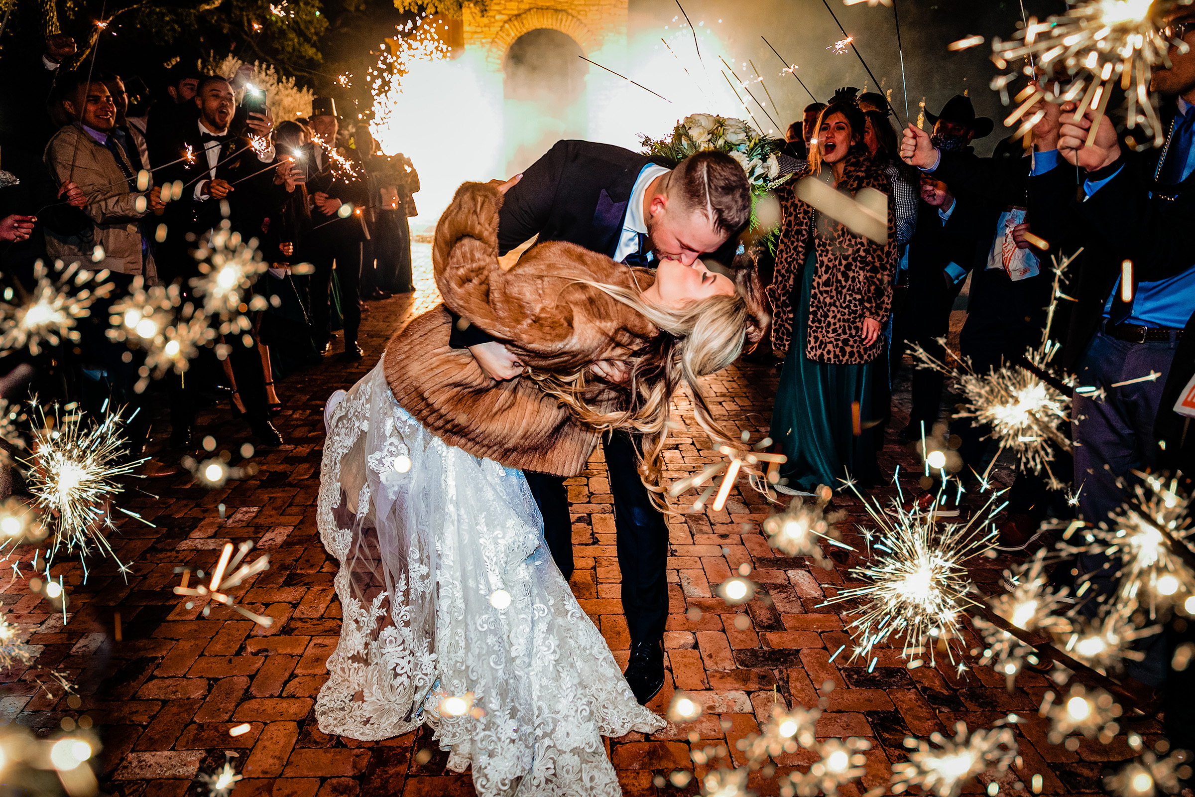 Photographed by Al Gawlik, Texas wedding photographer