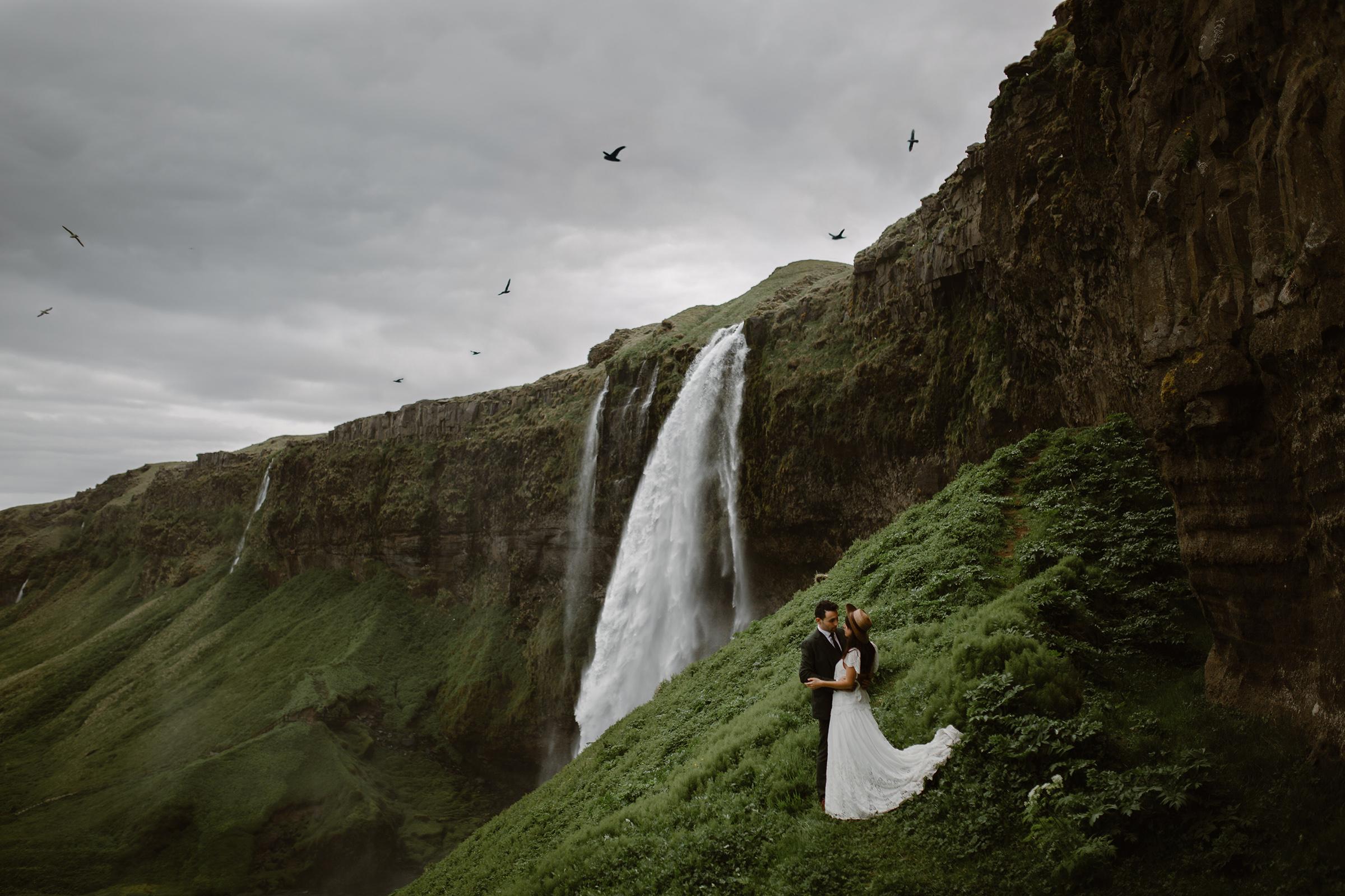 Seljalandsfoss-waterfall-in Iceland-elopement-photo-virginia-evan