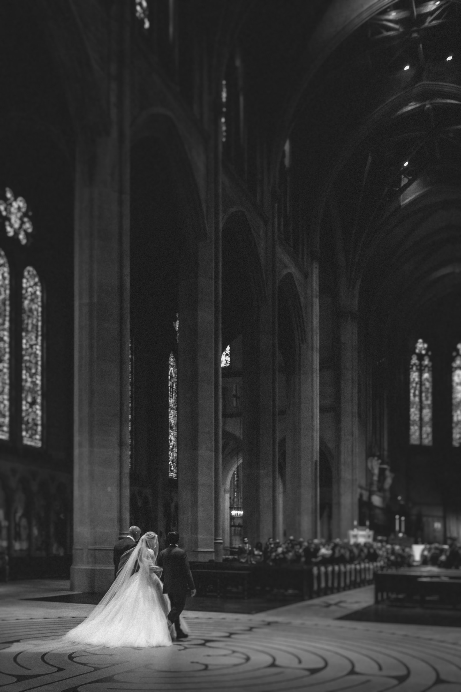 accompanied-bride-enters-cathedral-amy-and-stuart-photography