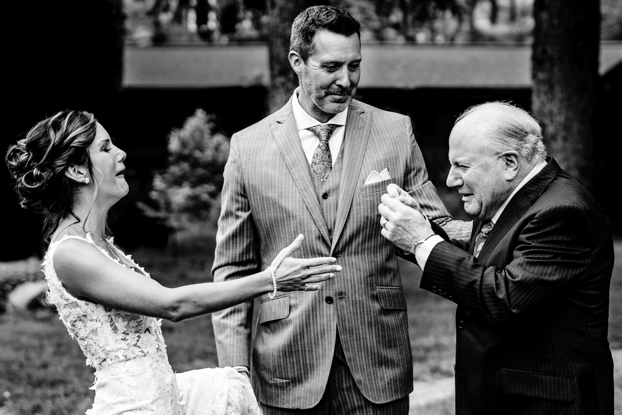 Father sees bride and bursts into tears - photo by Jos & Tree