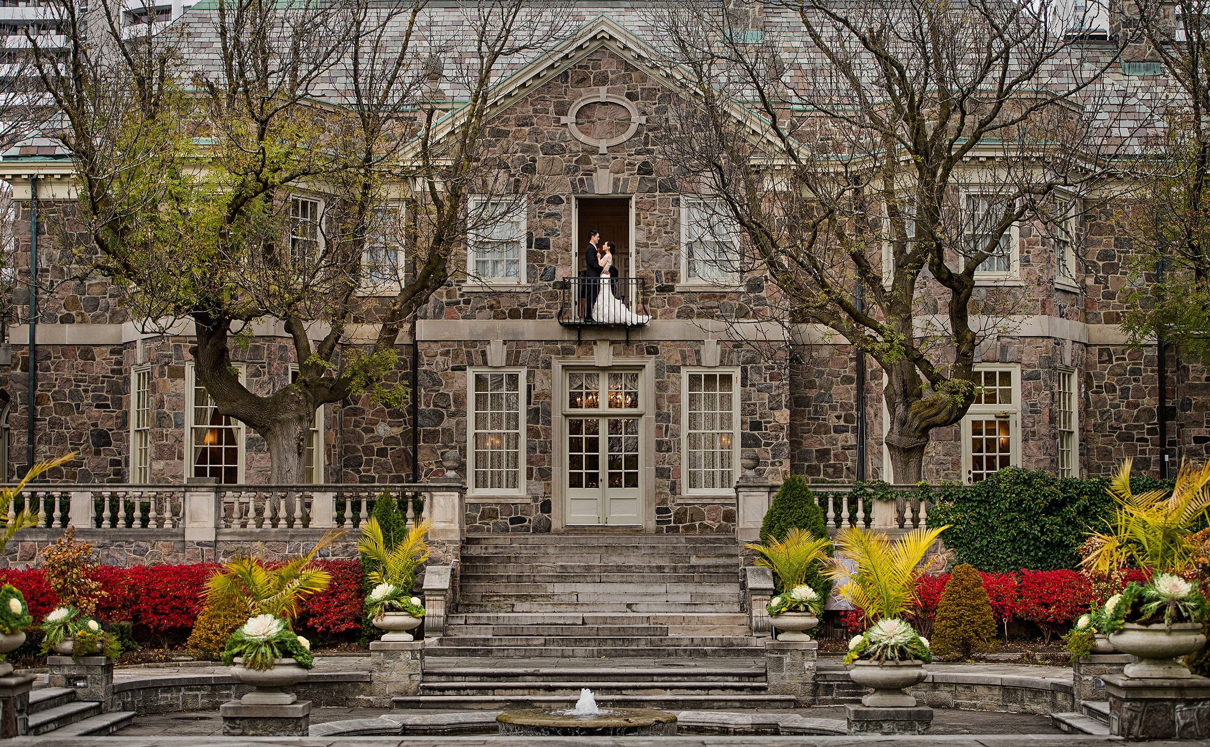 Graydon Hall classic wedding portrait on balcony - David and Sherry Photography