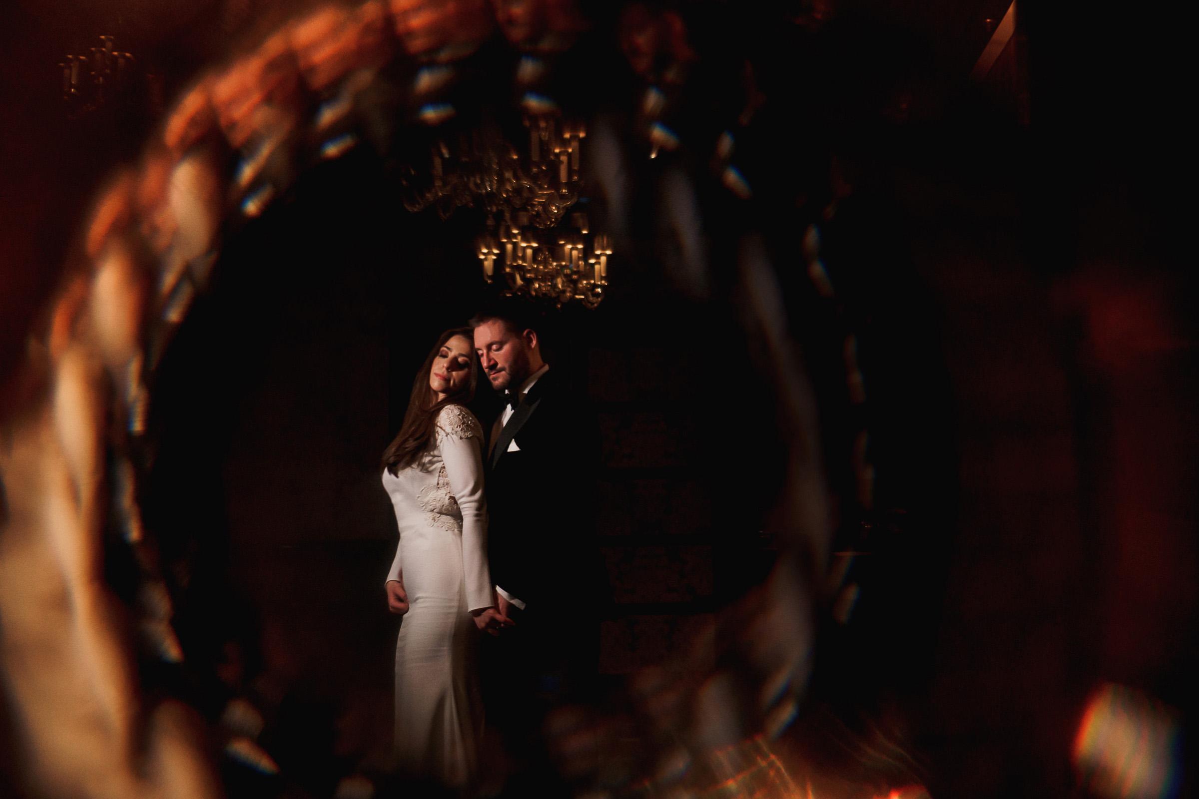 couple-pose-darkly-at-four-seasons-uk-f5-photography