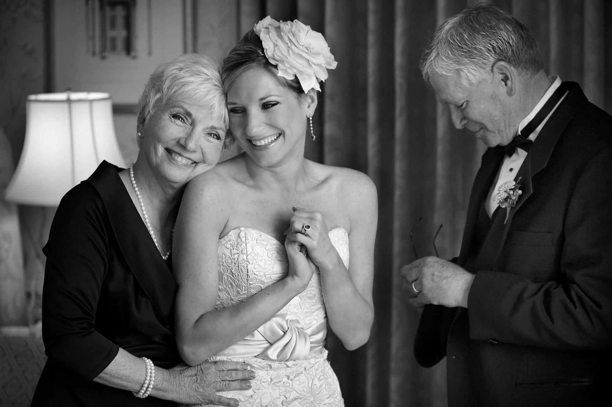 documentary-family-portrait-best-wedding-photos-jerry-ghionis-top-las-vegas-photographer