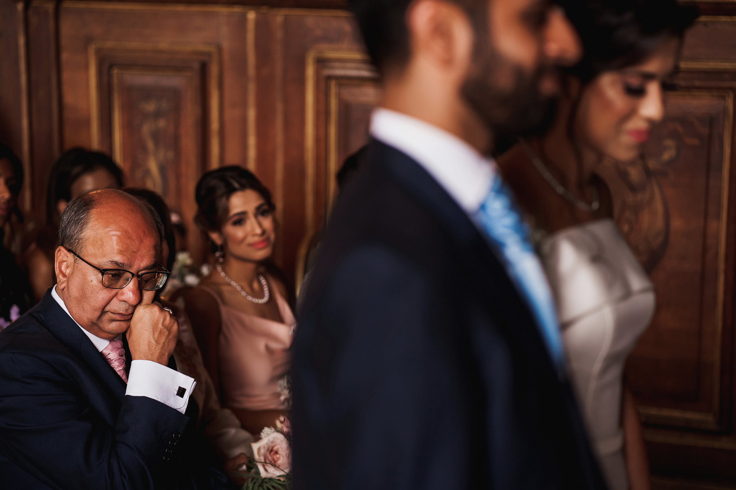 Father crying during wedding ceremony photographed by f5 best london photographer