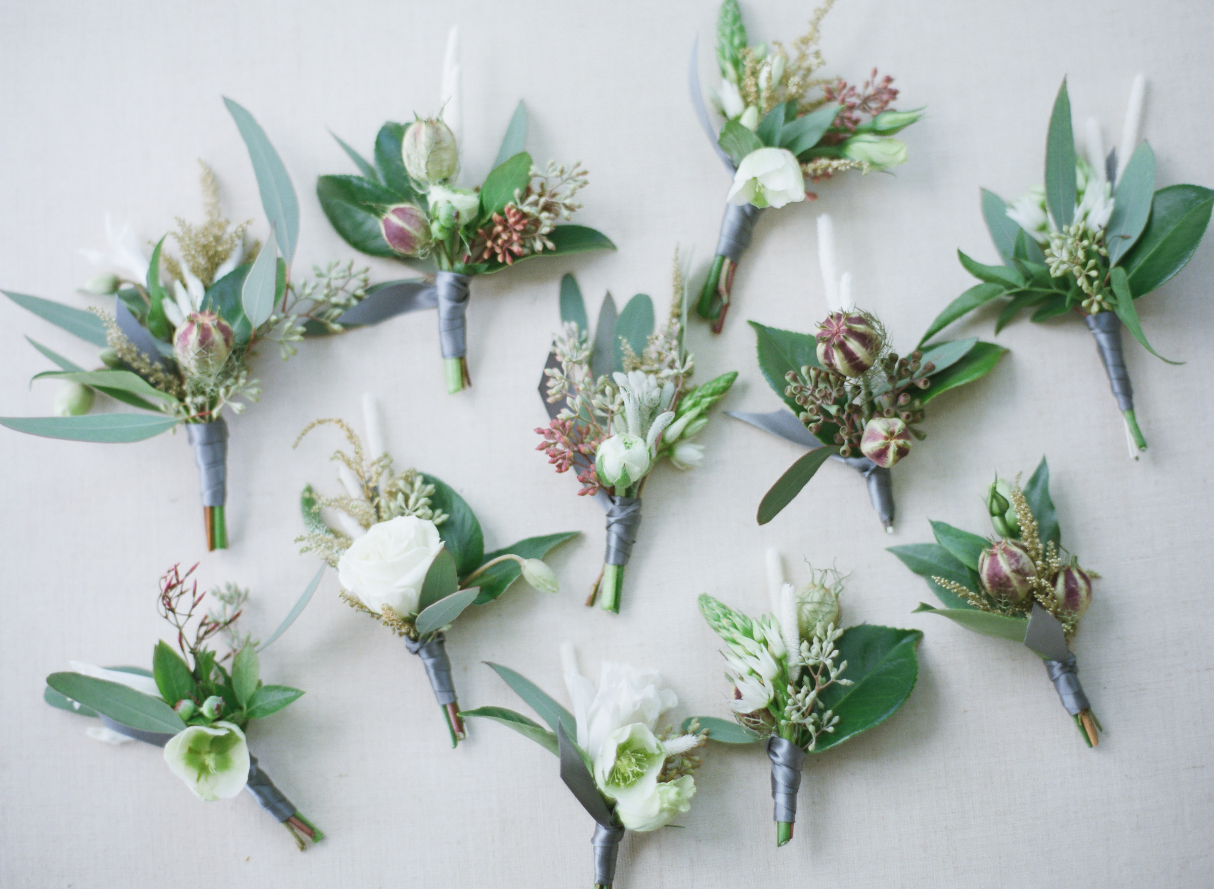 White rose boutonnieres for summer wedding - photo by Amy and Stuart - Los Angeles photographers