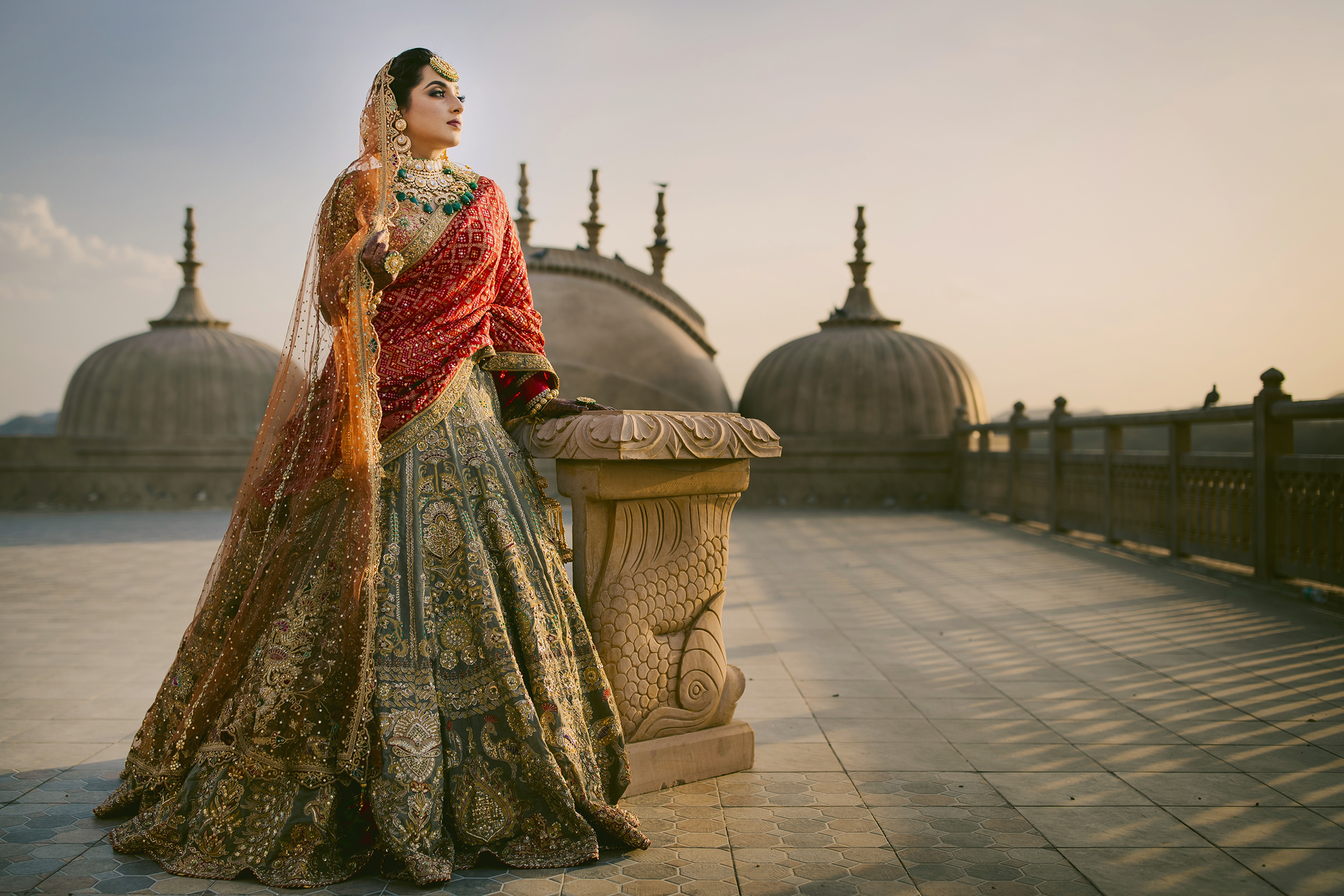 indian-bride-in-ornate-taupe-lehenga-and-red-shawl-shutterink-photography