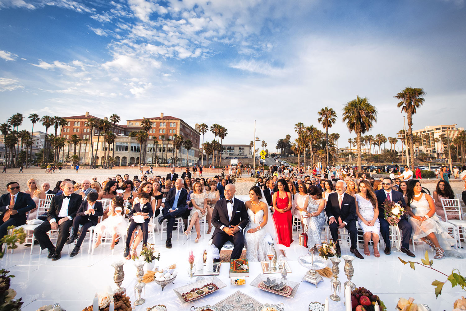 Sophisticated beach wedding - photo by Callaway Gable