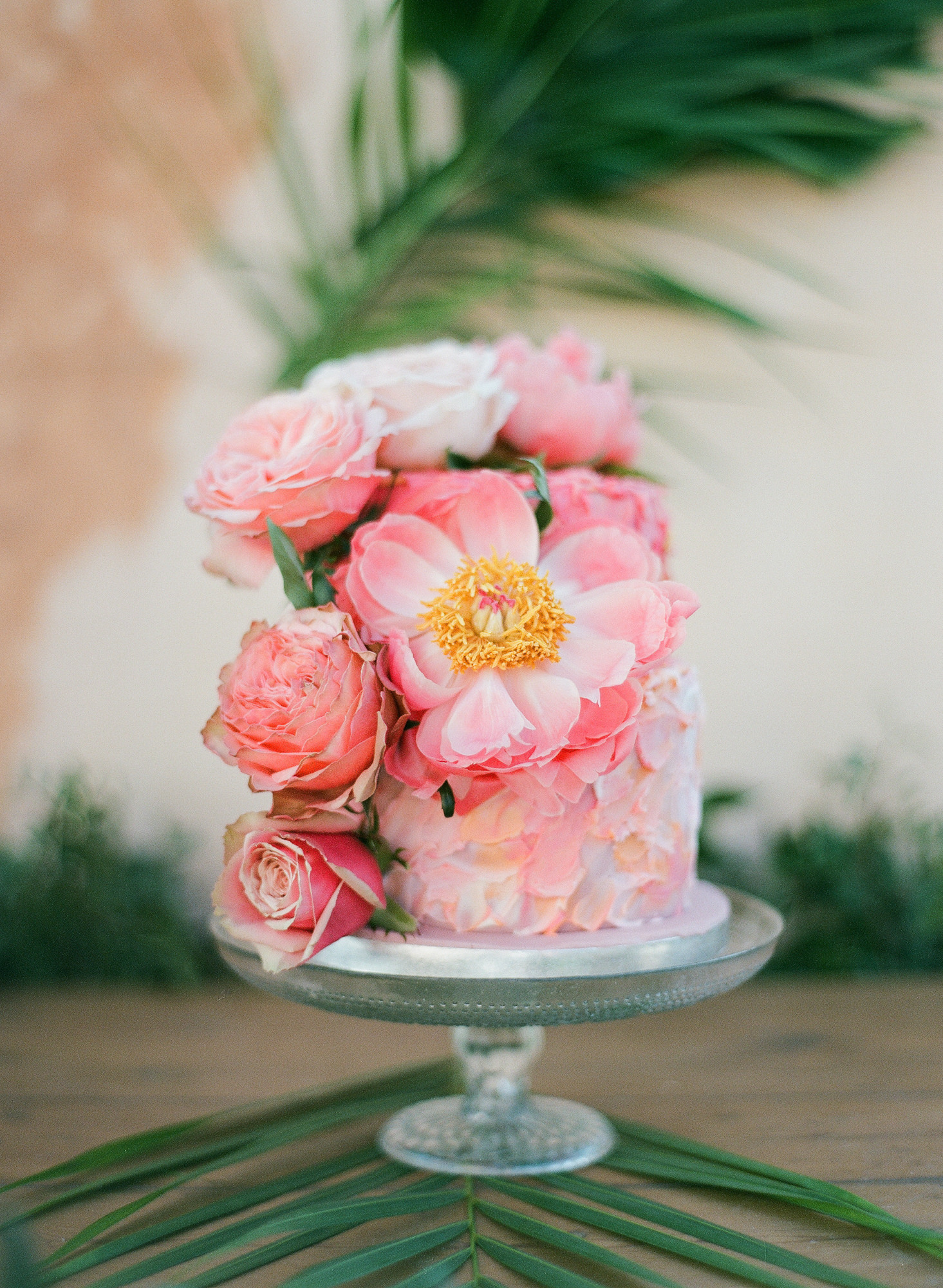 Wedding cake with fresh pink peonies - Gianluca Adovasio Photography