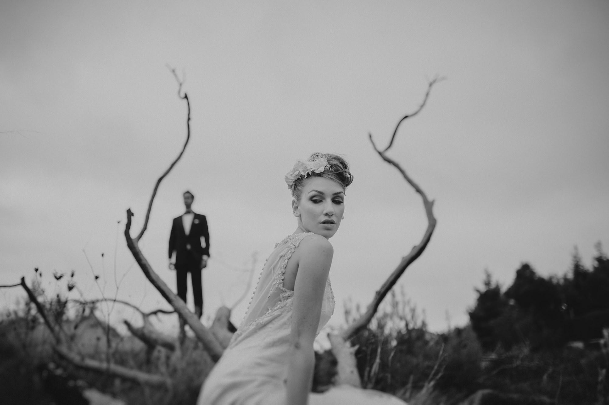 Artist black and white wedding portrait by Fer Juaristi