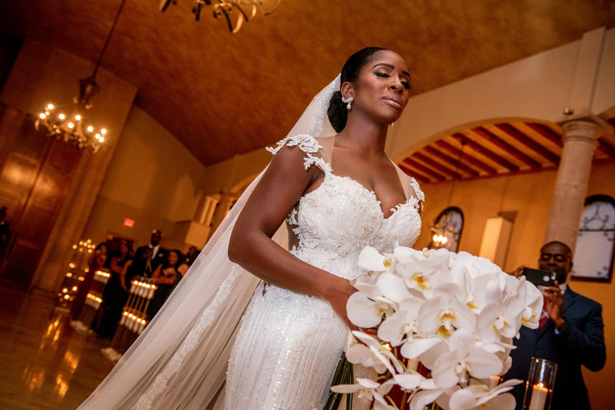 Bride walks down aisle - Morgan Lynn Photography
