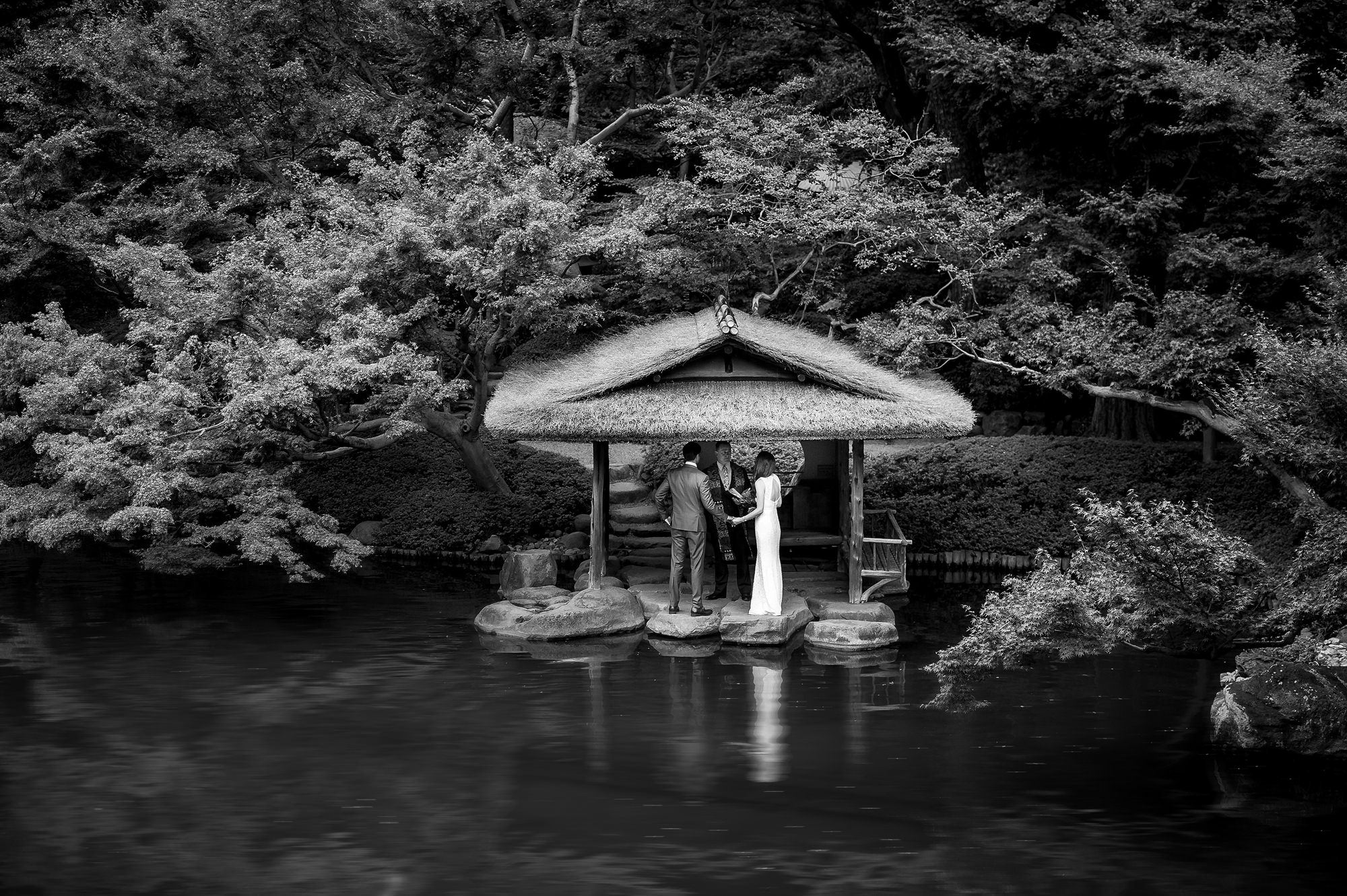Elopement ceremony under Japanese Pagoda - photo by 37 Frames - Japan