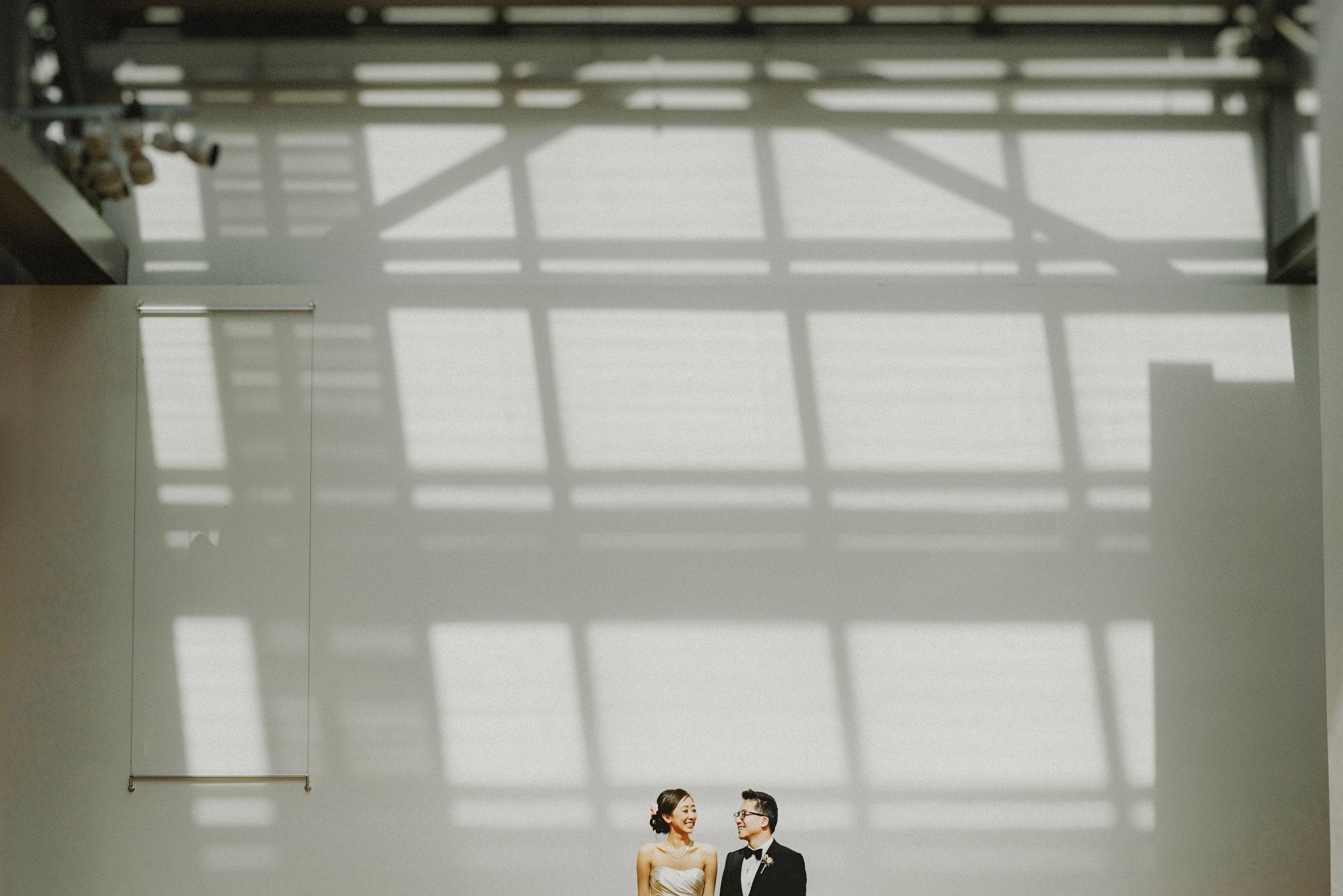 Urban wedding portrait by Fer Juaristi