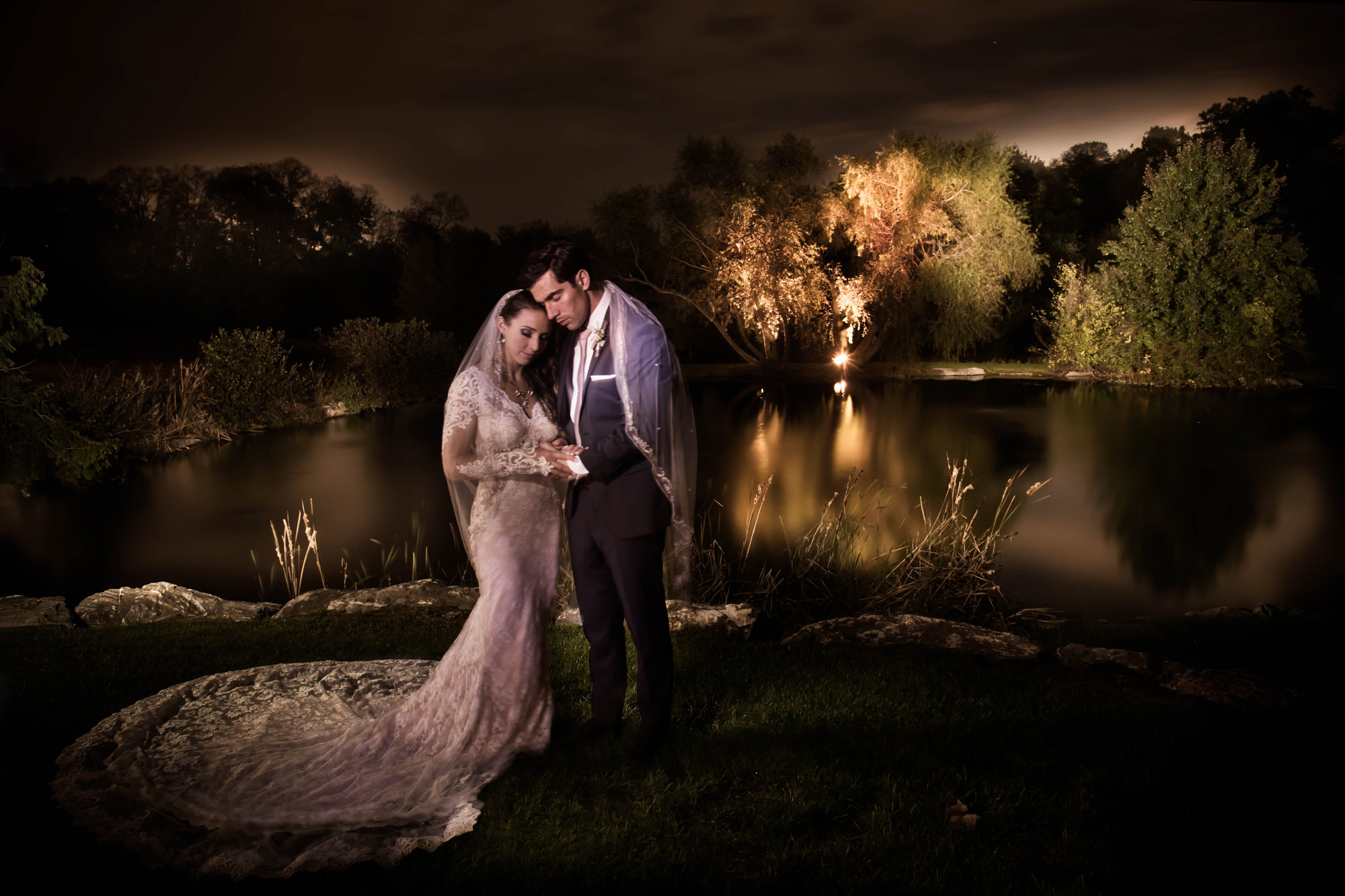 Couple overlooking Central Park pond -  photo by Cliff Mautner NYC