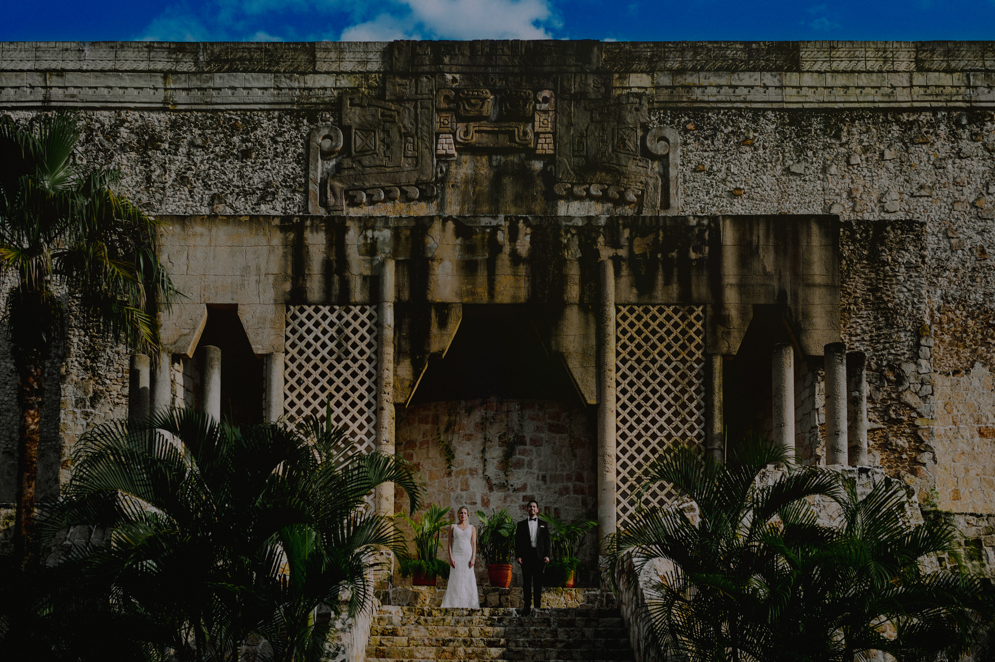 Wedding portrait at Mayan Ruins by Fer Juaristi