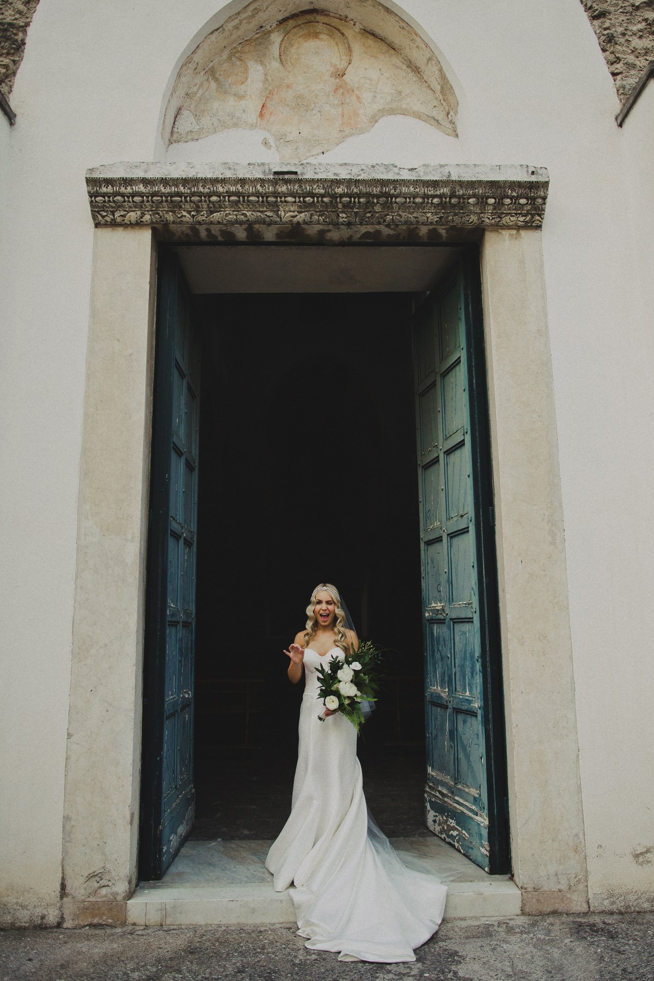 Bridal portrait in doorway Dan O'day australia wedding photographer