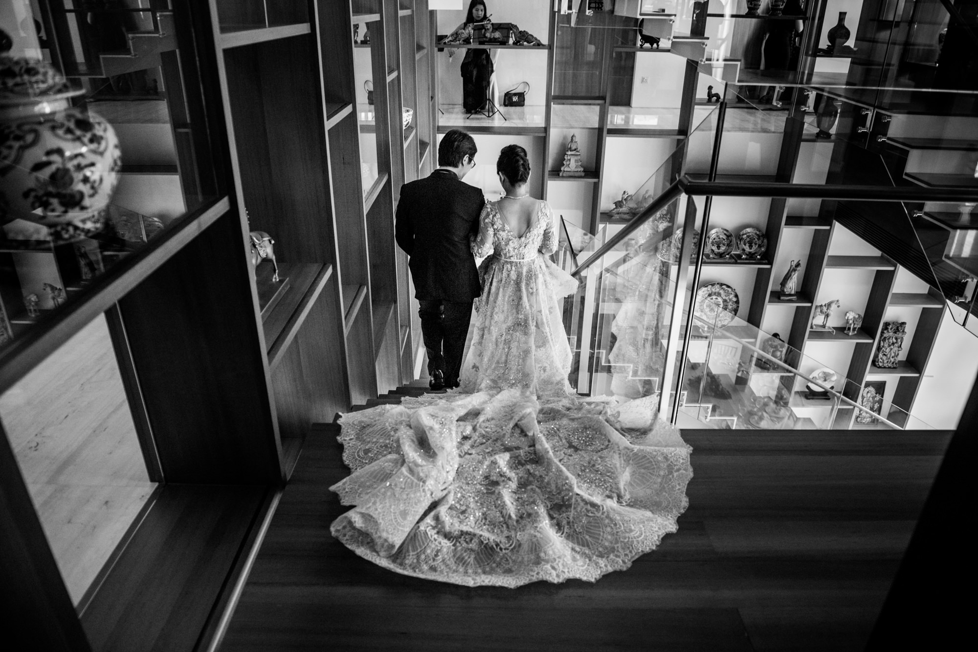 Couple descends staircase - Morgan Lynn photography