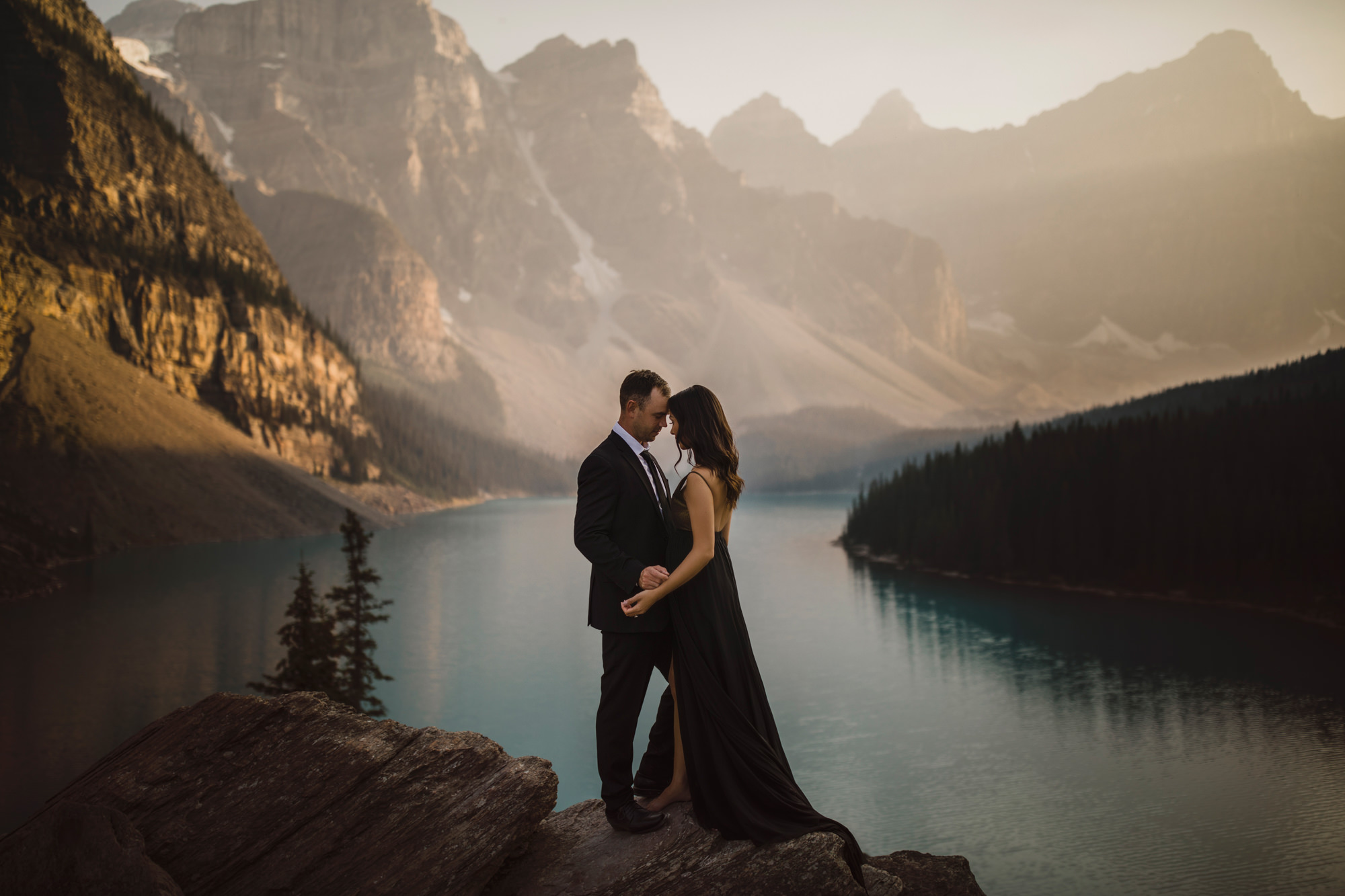 Elopement at Lake Moraine - photo by McClintock Photography Agency
