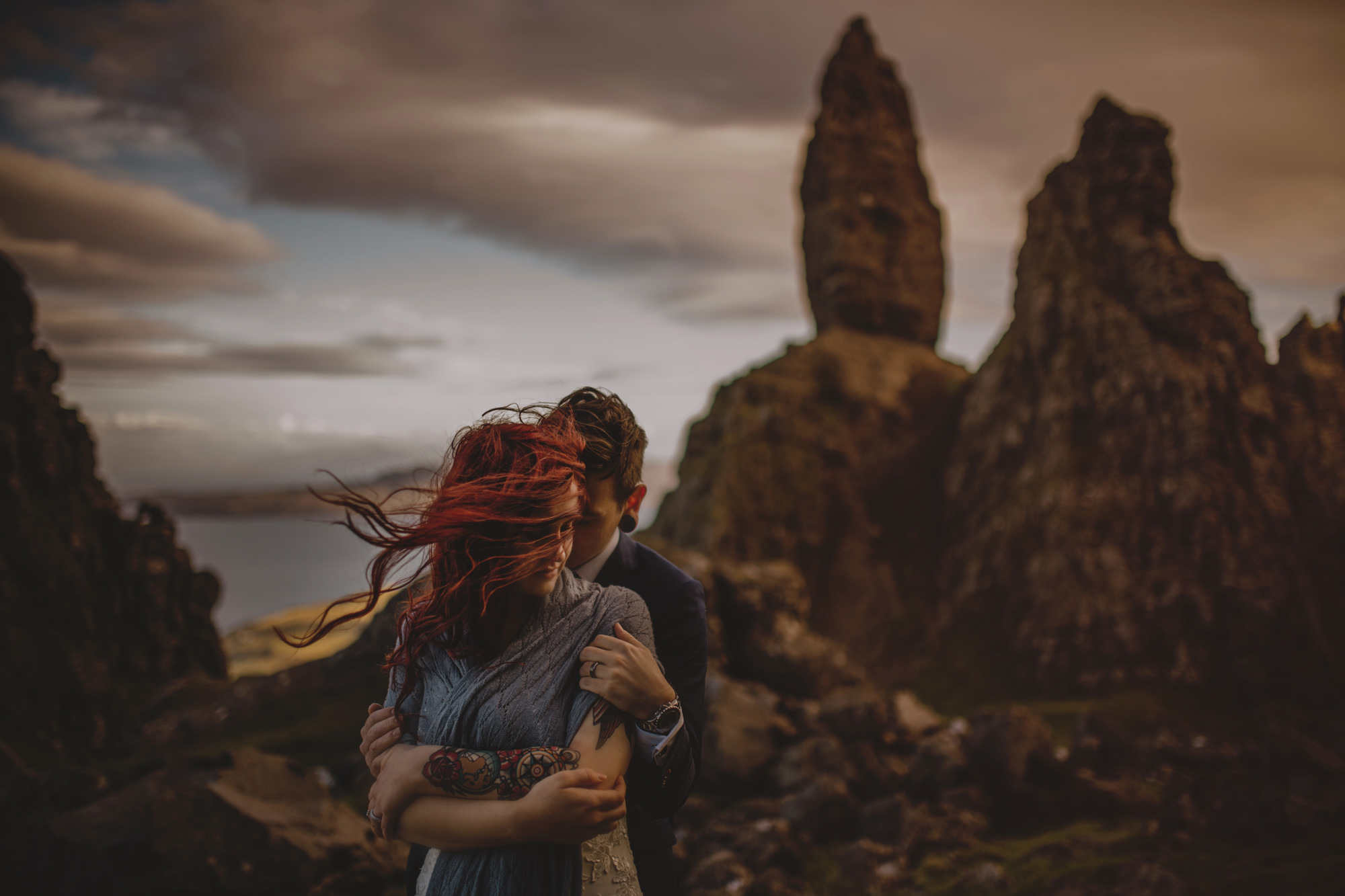 Engagement couple with red hair and tattoos - photo by McClintock Photography Agency
