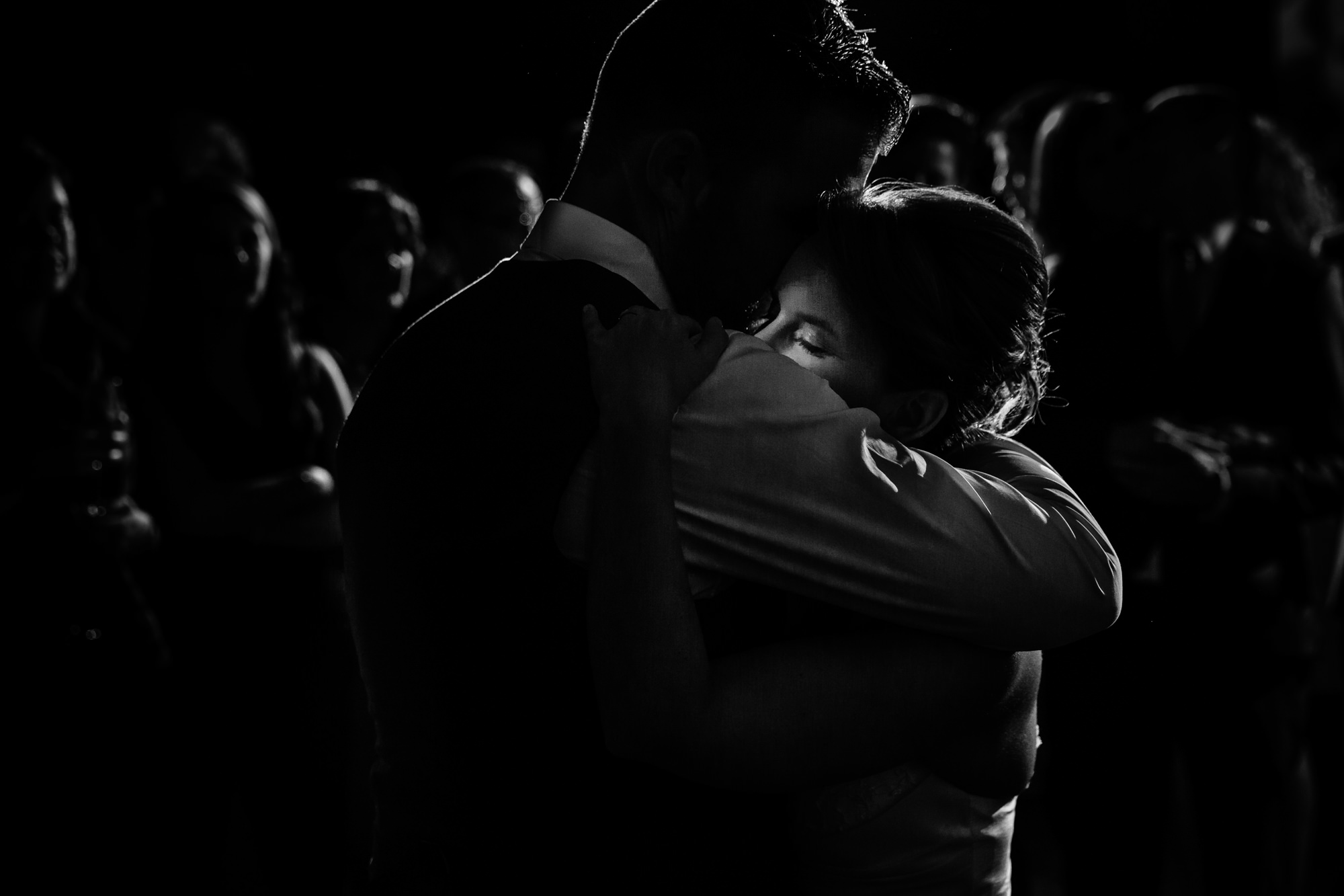 First dance low light photo by Yves Schepers