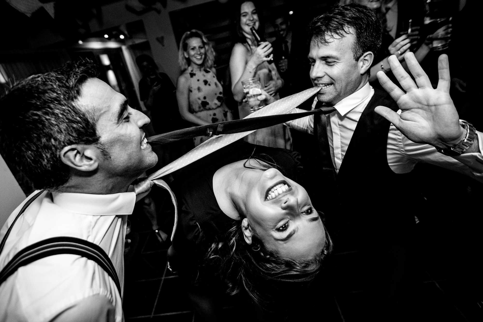 Guest doing the limbo photo by Eppel Photography Netherlands