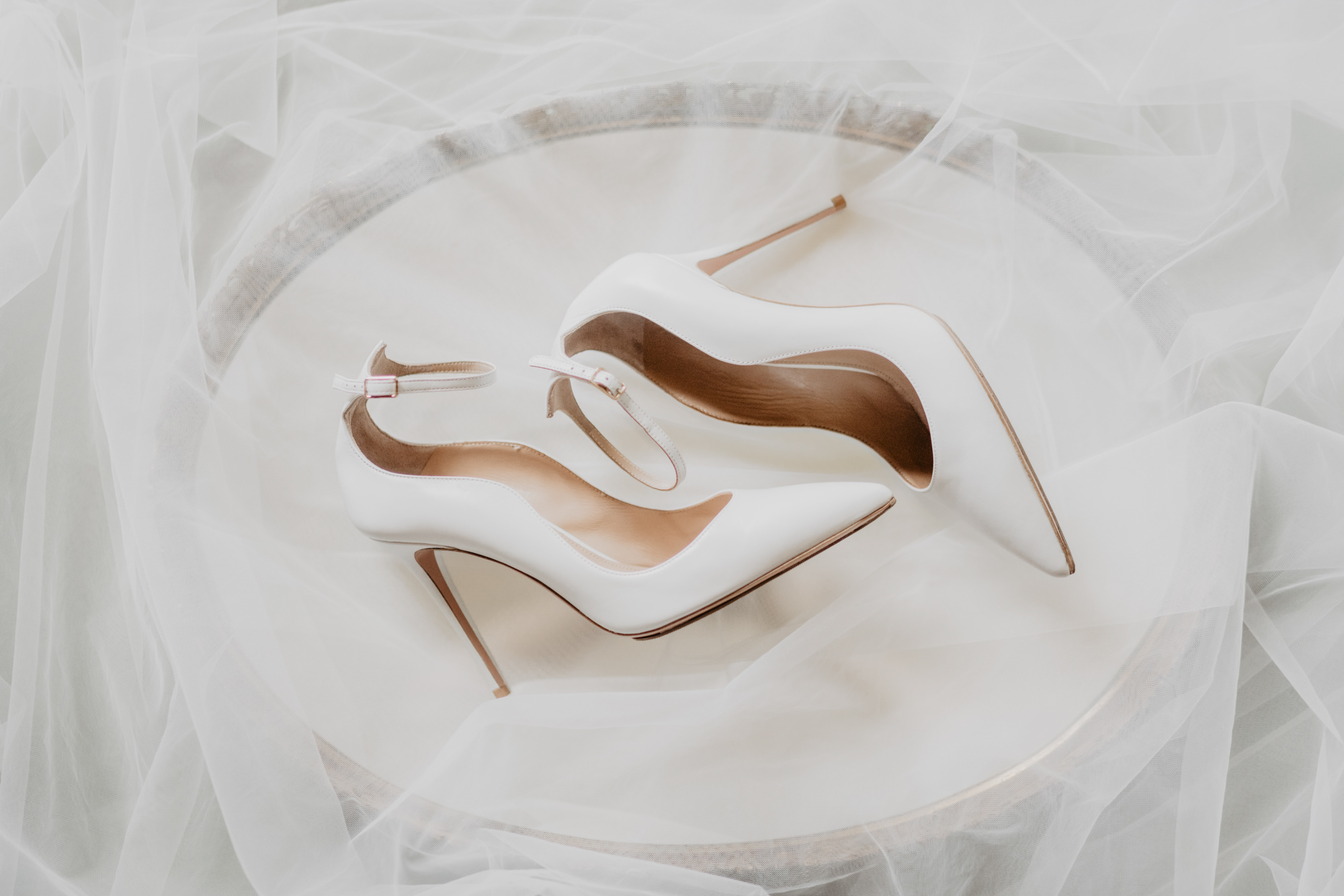 Bridal shoes photo by David Bastianoni