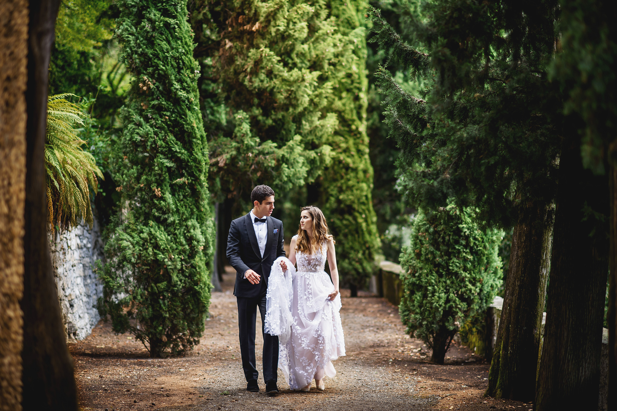 Portrait of couple in villa garden - photo by Ross Harvey